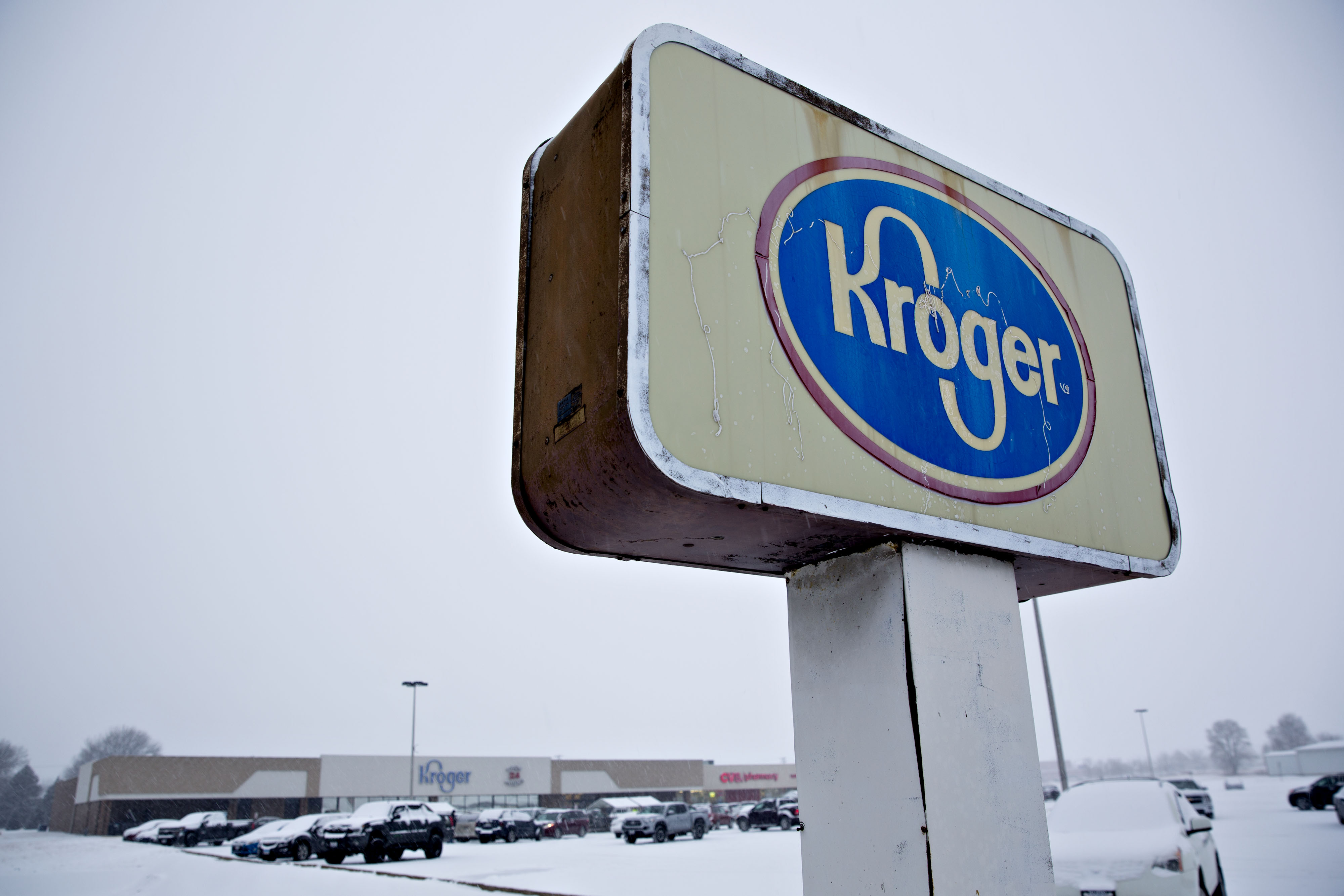 Kroger Co. signage stands outside the company's supermarket in Sterling, Illinois, U.S., on Monday, Feb. 5, 2018.