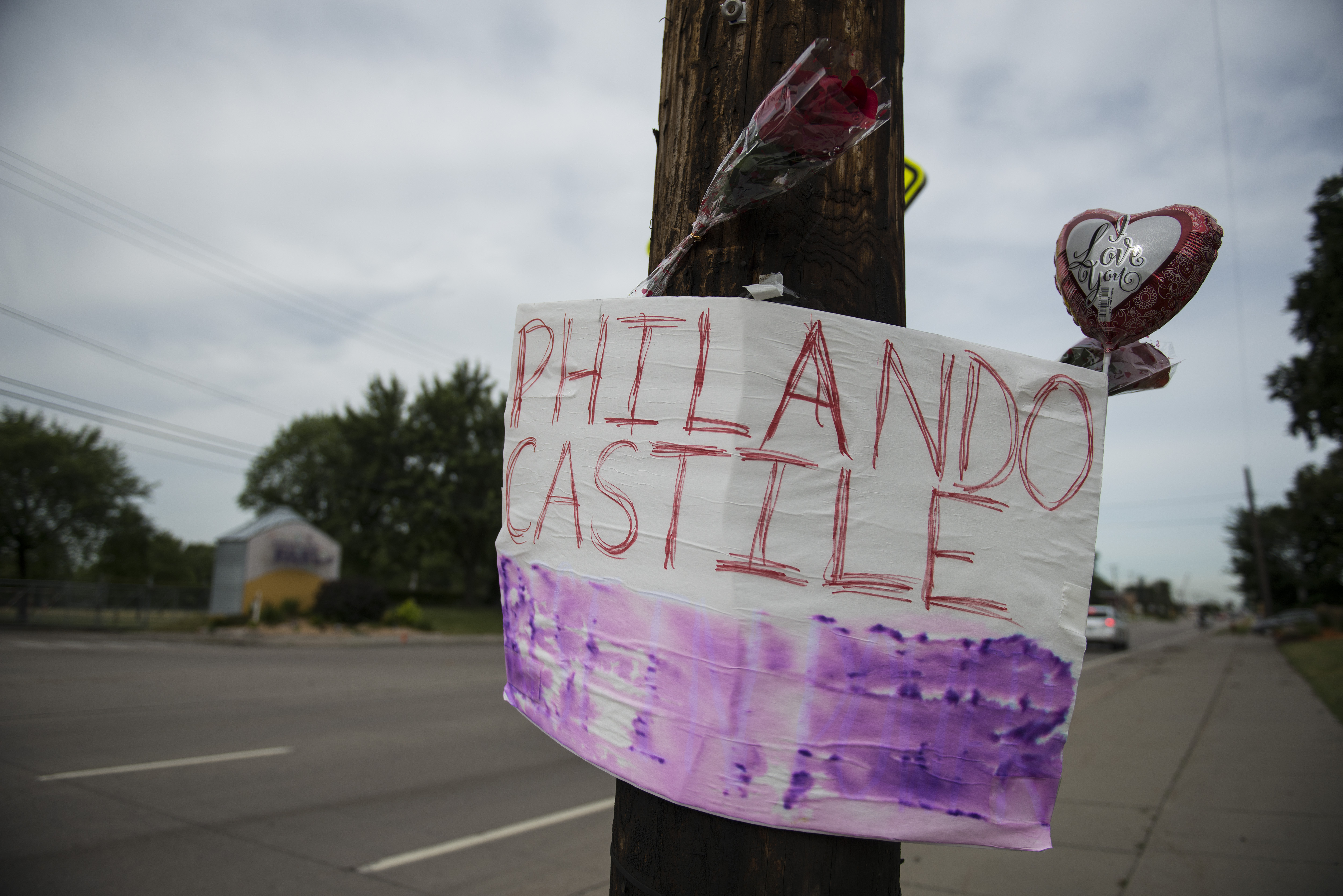A memorial left for Philando Castile following the police shooting death of a black man on July 7, 2016 in St. Paul, Minnesota. Philando Castile was shot and killed last night, July 6, 2016, by a police officer in Falcon Heights, MN.