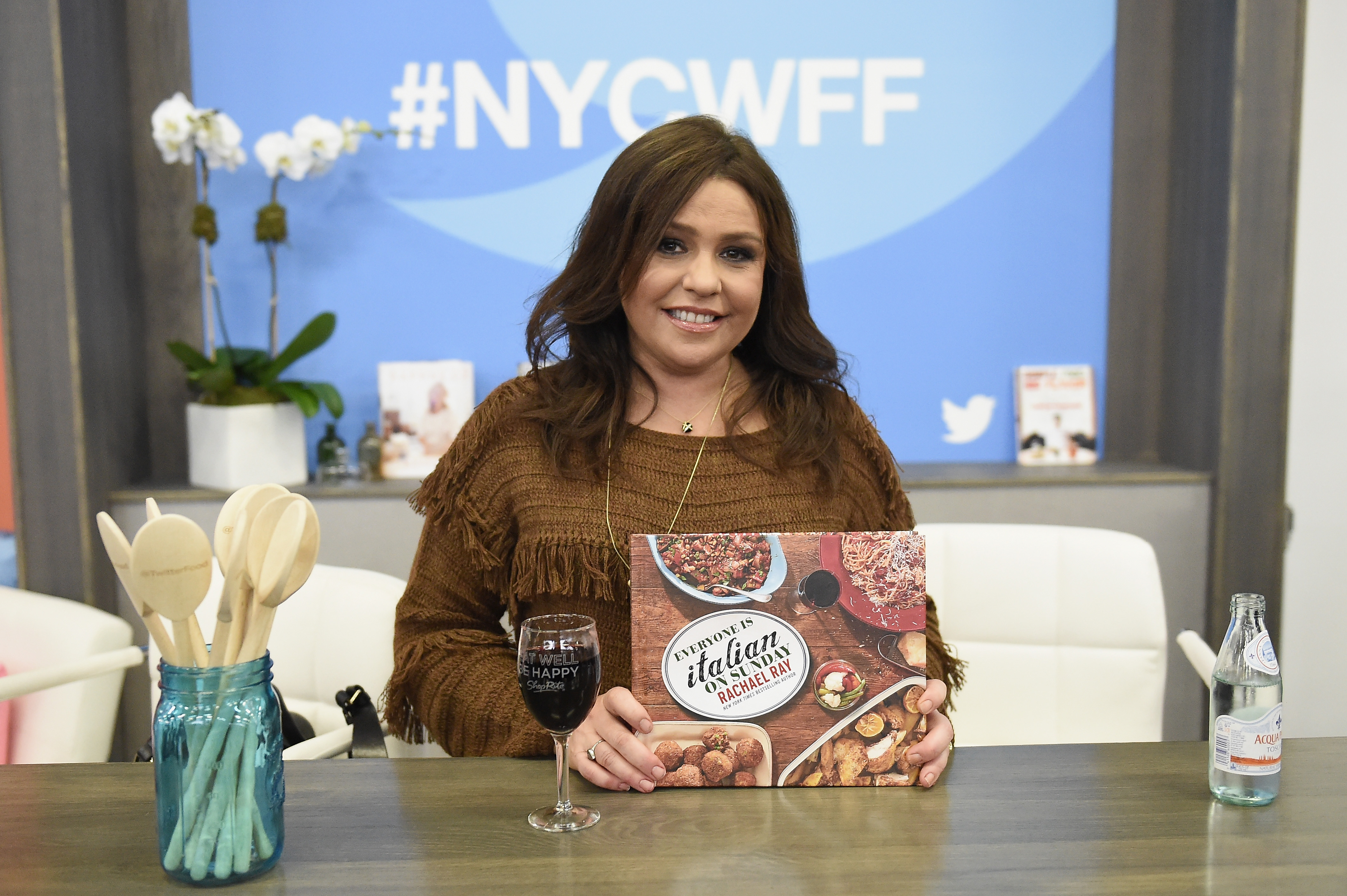 Chef Rachael Ray attends the Food Network & Cooking Channel New York City Wine & Food Festival on October 15, 2016 in New York City.