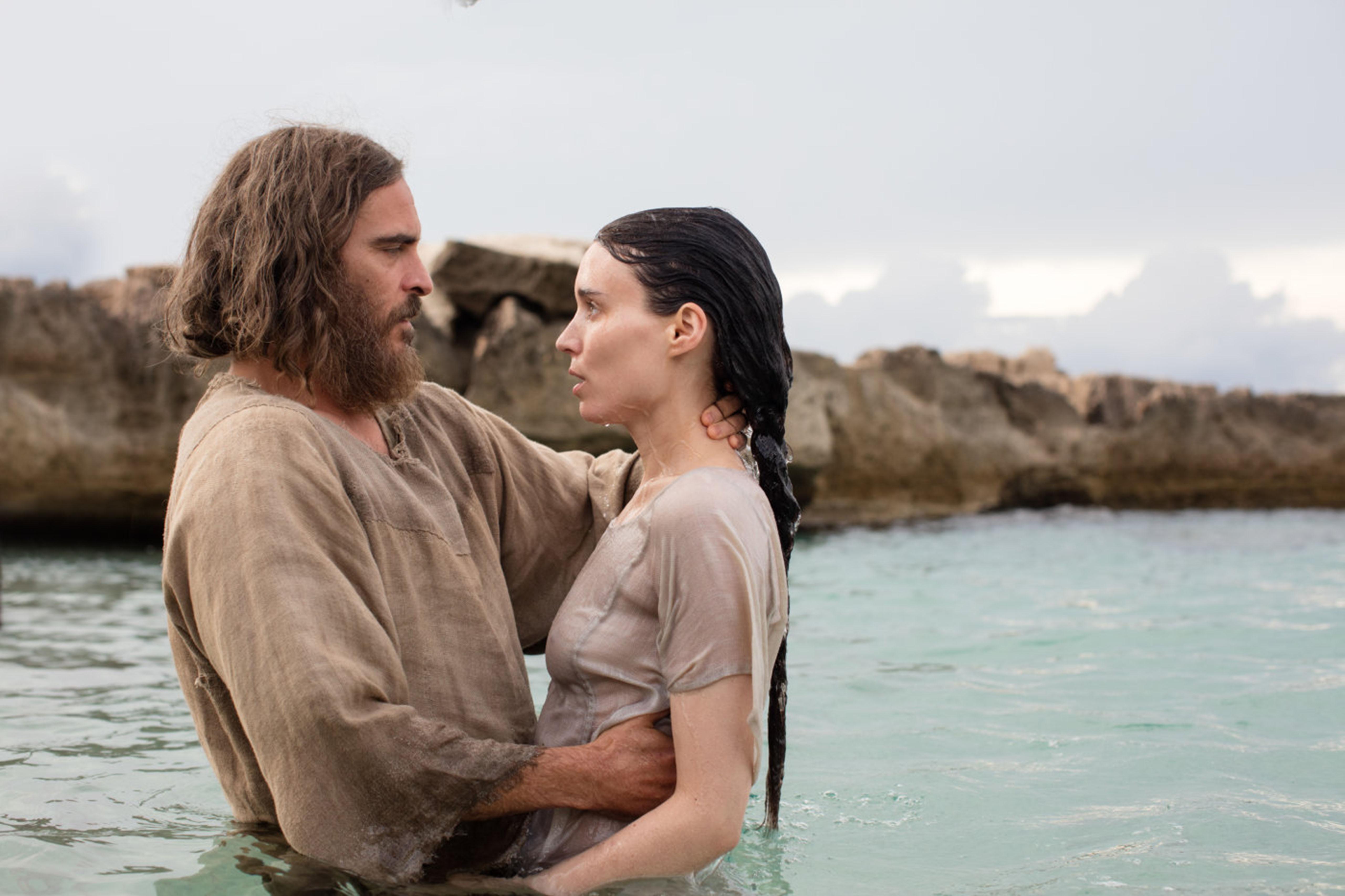 Joaquin Phoenix and Rooney Mara in Mary Magdalene (2018)