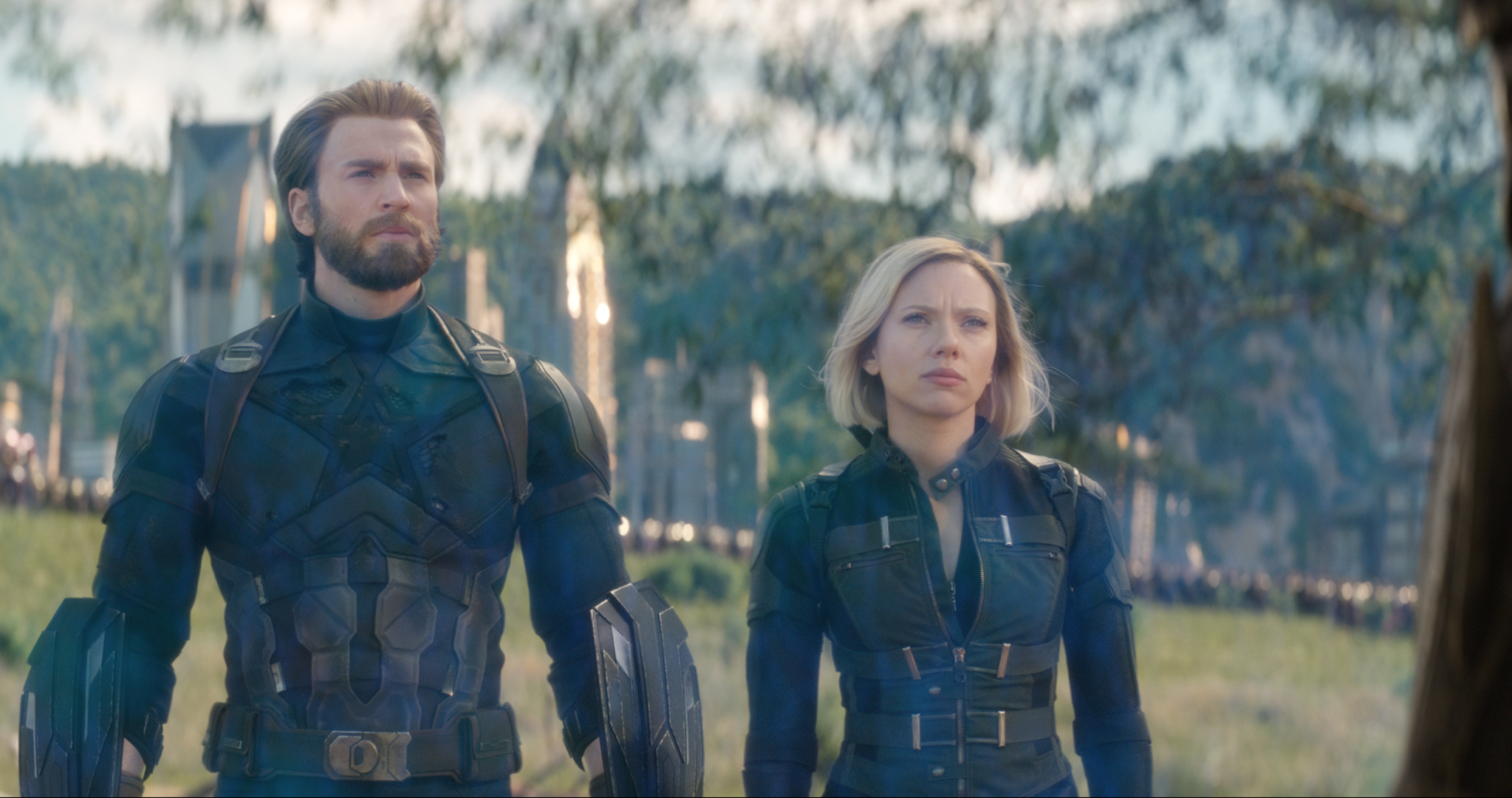 Captain America/Steve Rogers (Chris Evans) and Black Widow/Natasha Romanoff (Scarlett Johansson) in Avengres: Infinity War