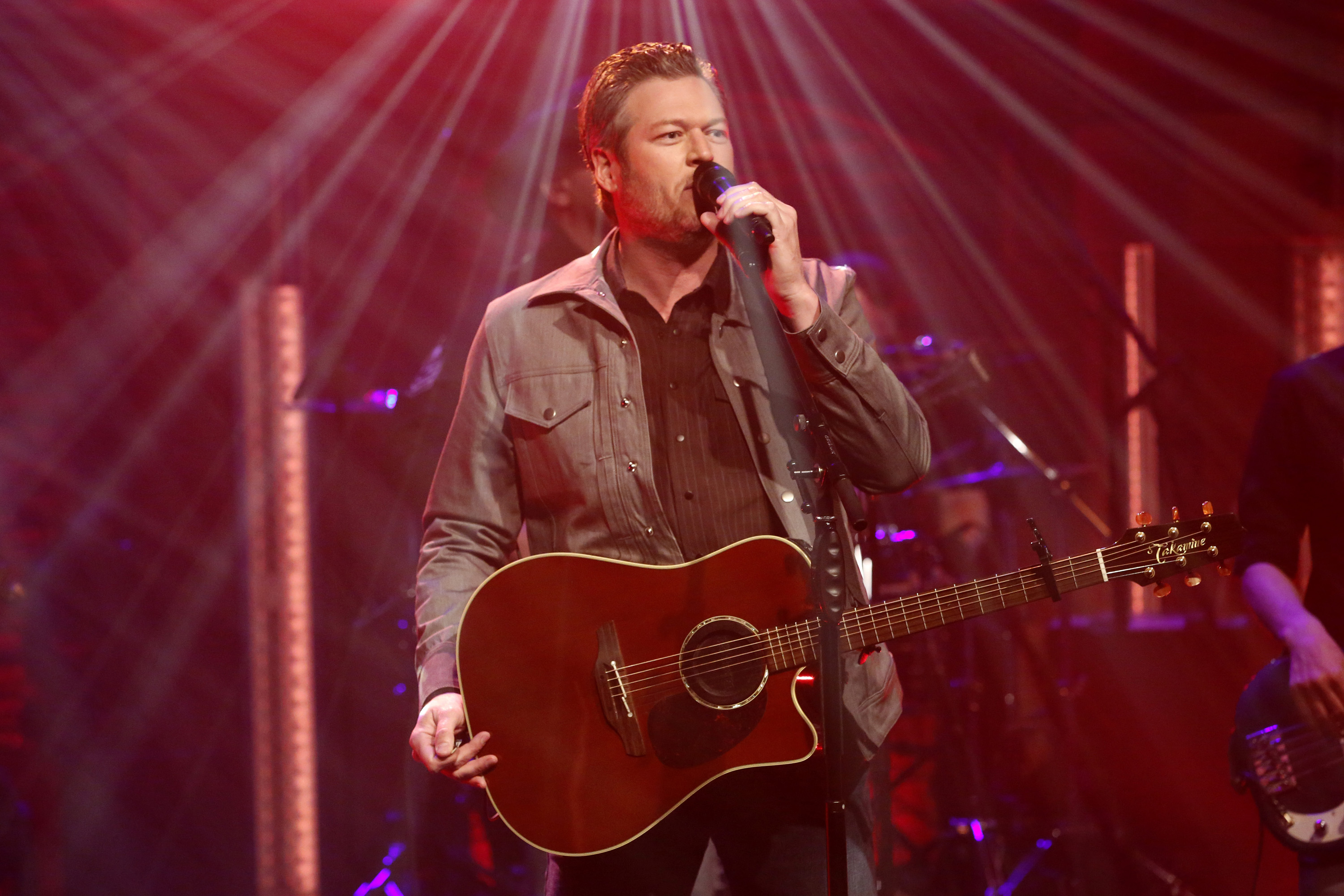 LATE NIGHT WITH SETH MEYERS -- Episode 663 -- Pictured: Musical guest Blake Shelton performs on March 20, 2018 -- (Photo by: Lloyd Bishop/NBC/NBCU Photo Bank via Getty Images)