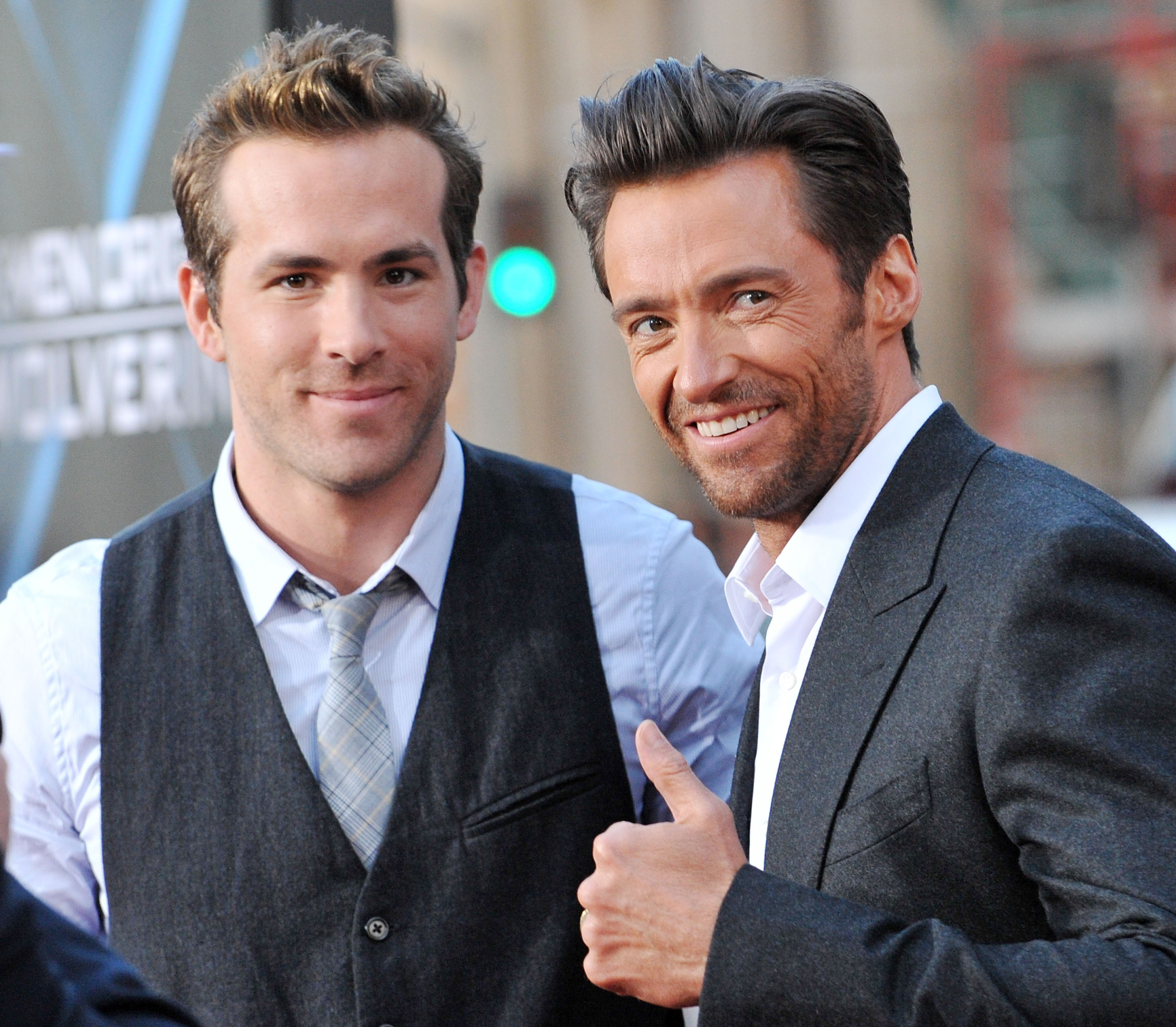 Actor Ryan Reynolds (L) and actor Hugh Jackman arrive at the Los Angeles Industry Screening  Xmen Origins: Wolverine  at Grauman's Chinese Theater on April 28, 2009 in Hollywood, California.
