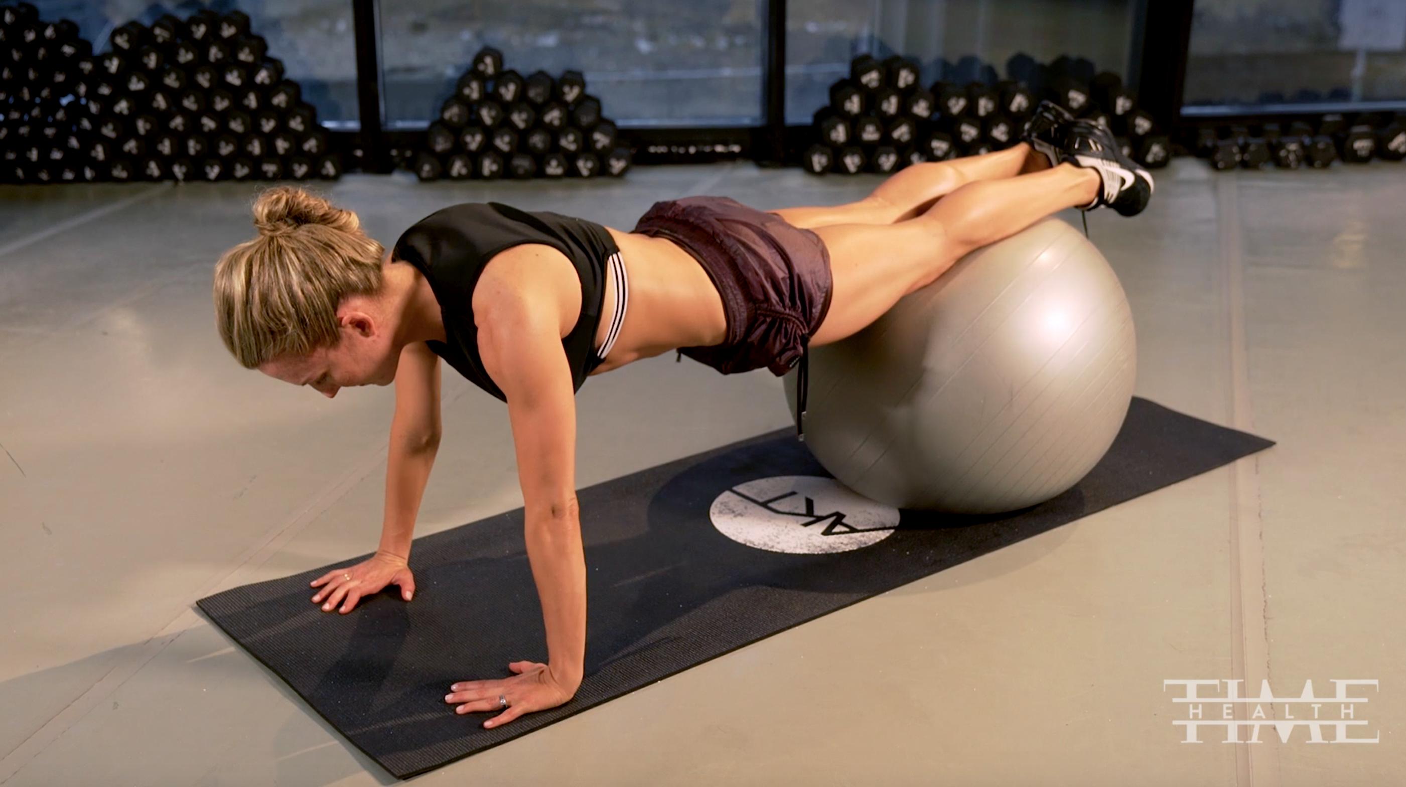Anna Kaiser physio ball workout.