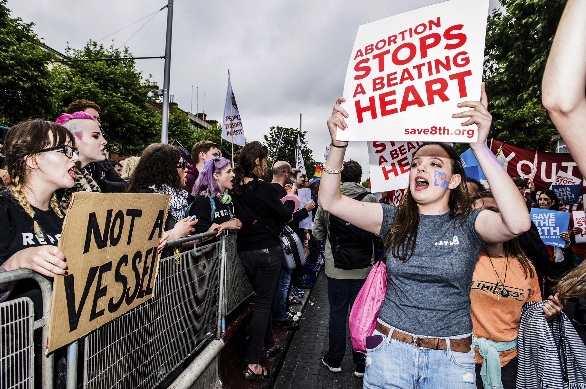 Anti-abortion and pro–abortion rights activists have held rallies in Ireland ahead of the May 25 vote