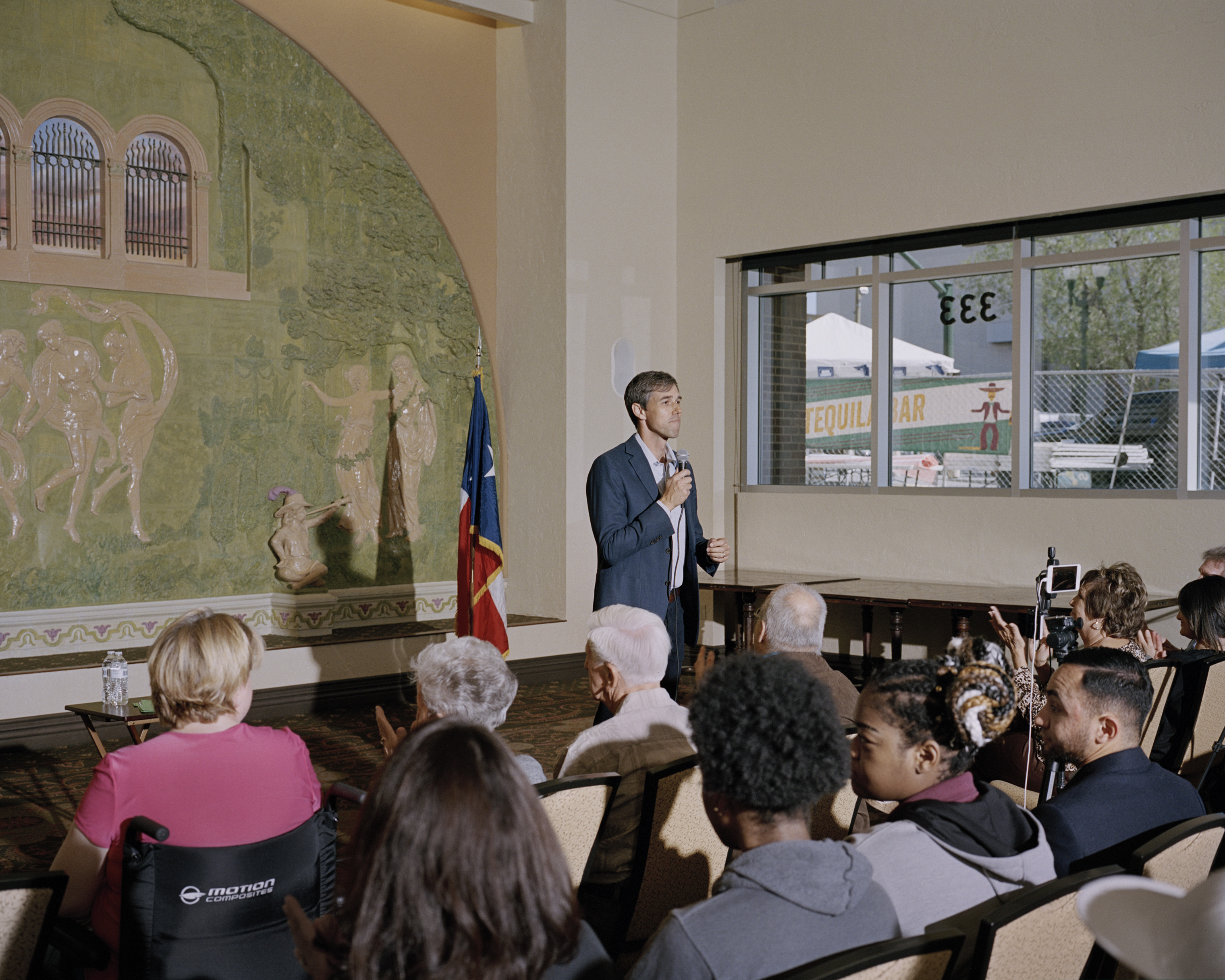 O'Rourke answers questions at a town hall meeting.
