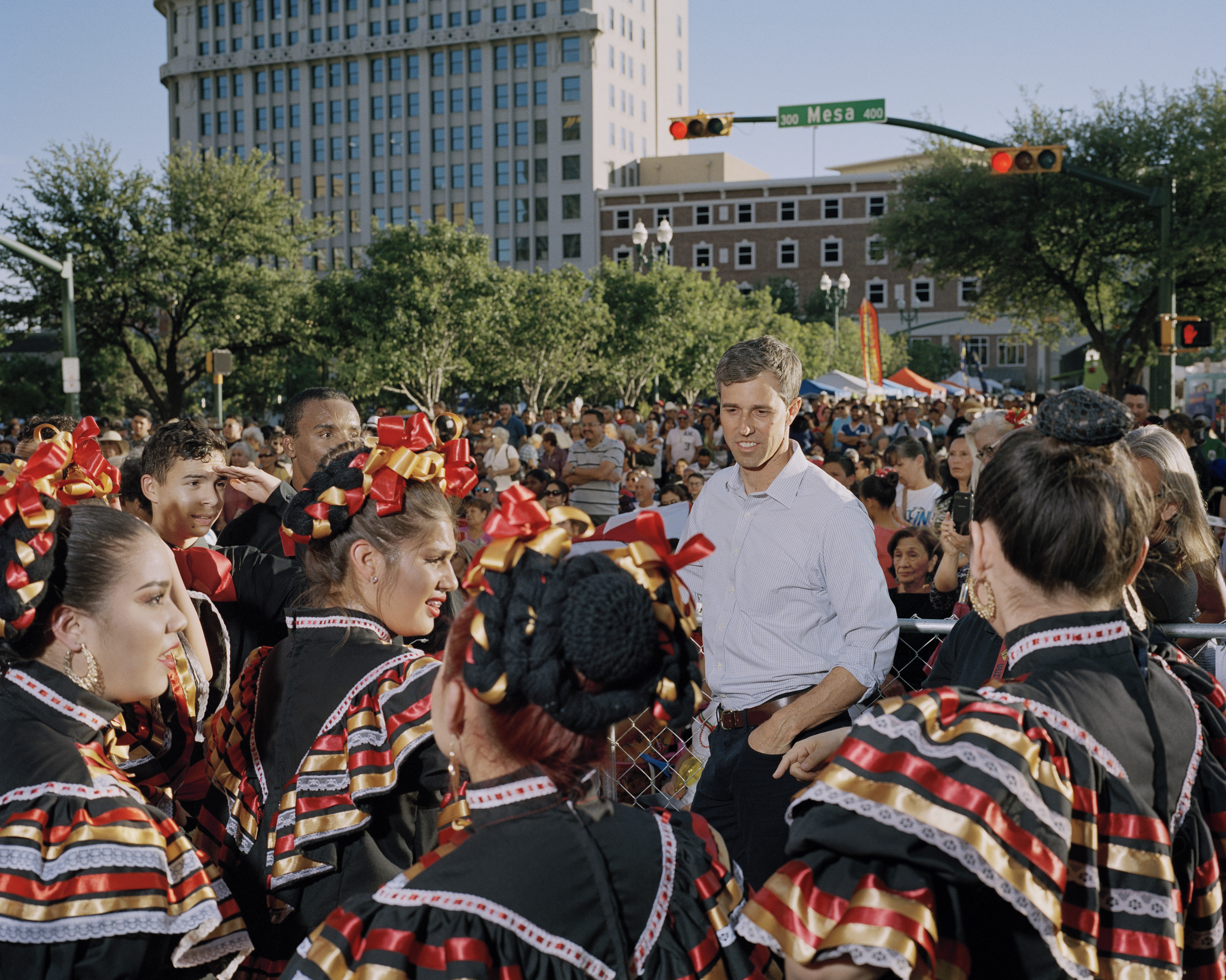 O'Rourke with performers at the Mariachi Loco Music Festival in El Paso.