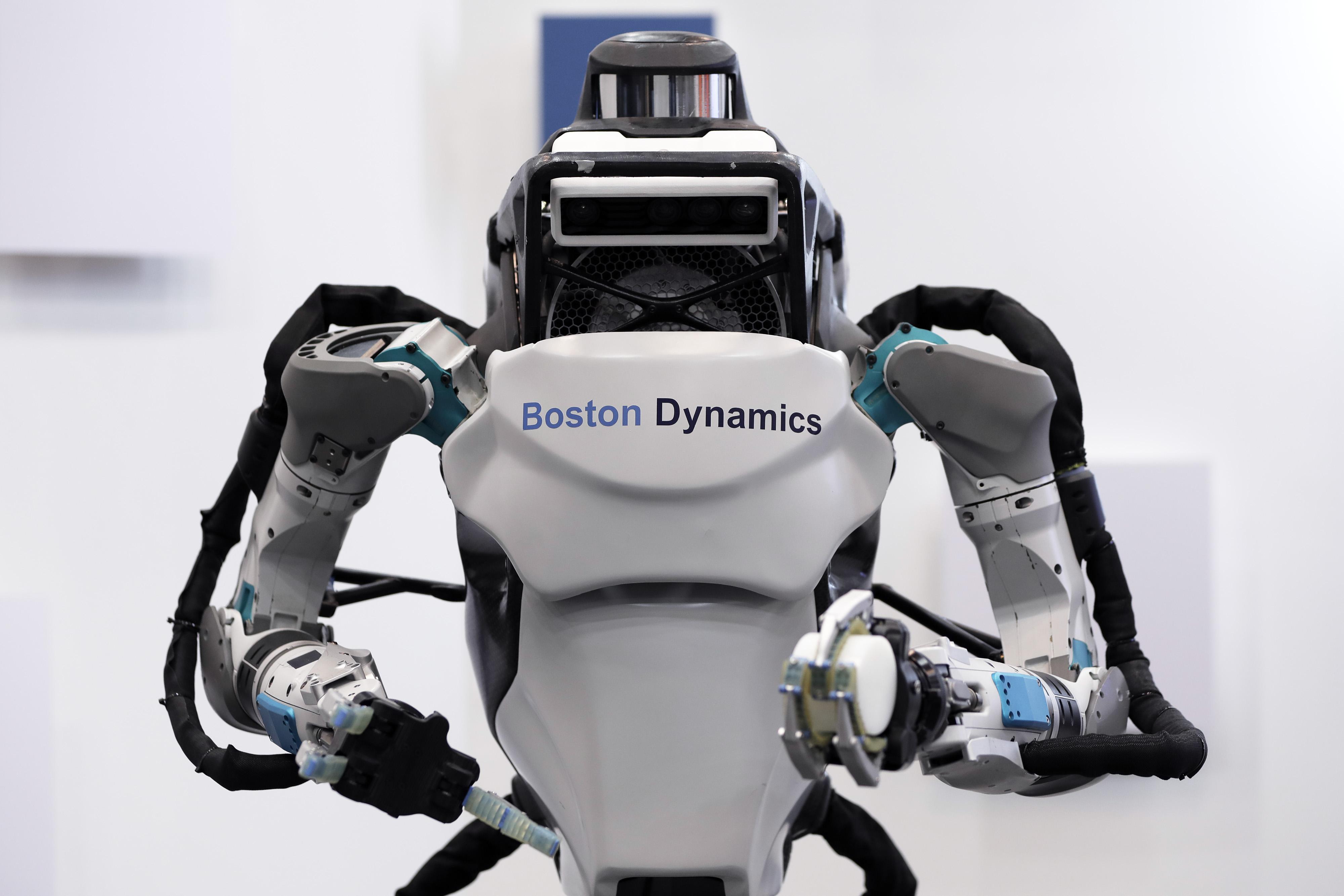A Boston Dynamics Inc. Atlas humanoid robot is displayed at the SoftBank Robot World 2017 in Tokyo, Japan, on Nov. 21, 2017.