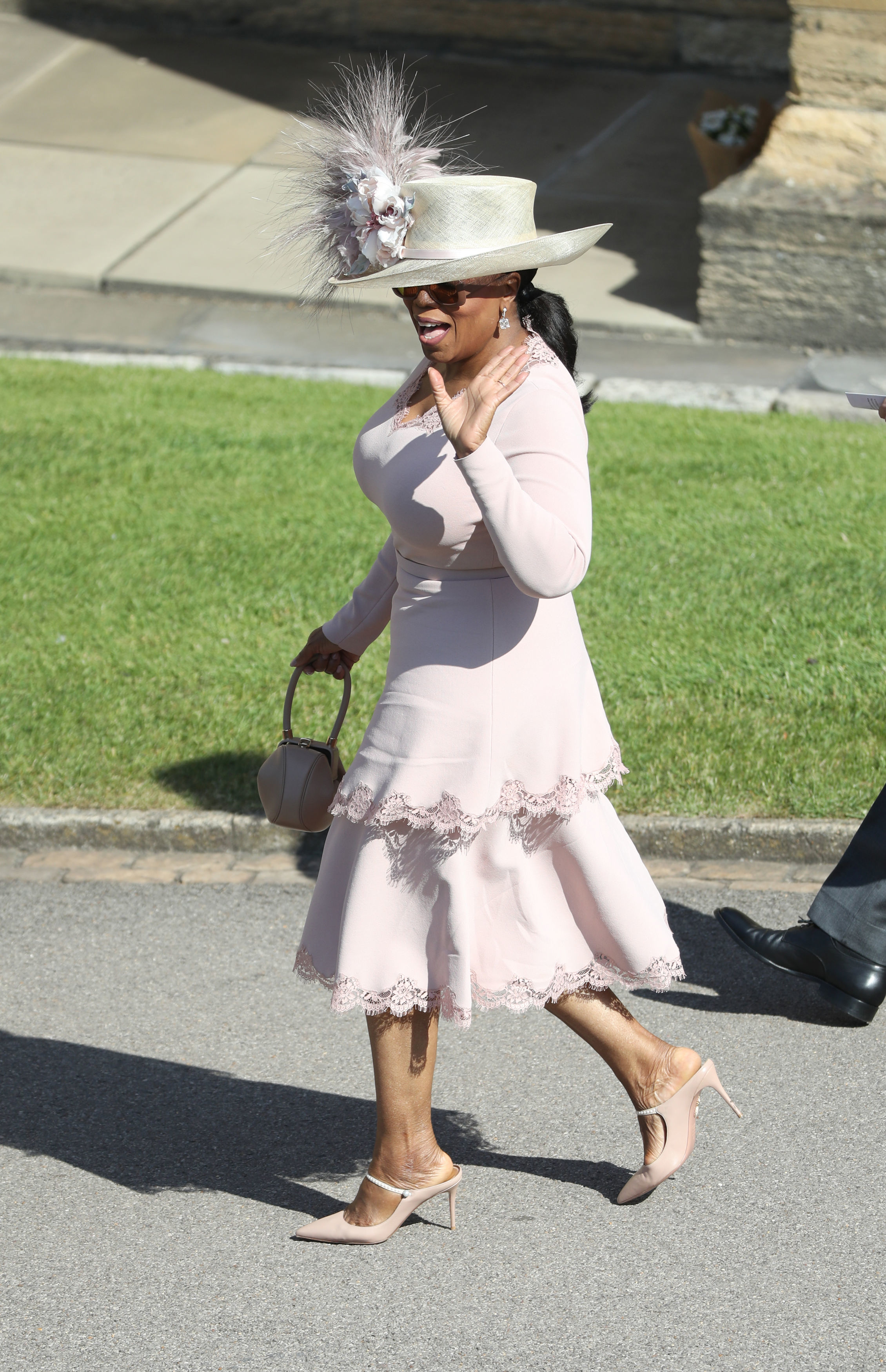 Oprah Winfrey arrives at Windsor Castle ahead of the wedding of Prince Harry and Meghan Markle. (Photo by Andrew Milligan/PA Images via Getty Images)