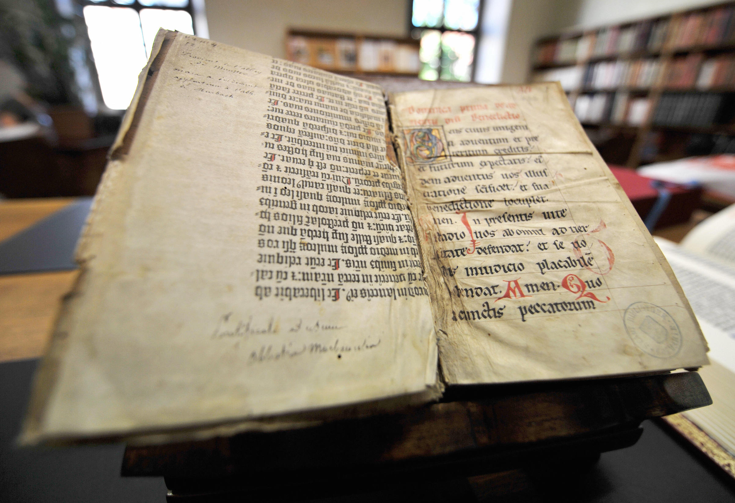 A picture taken on May 29, 2009 in Colmar, northeastern France, shows pages of the Gutenberg Bible discovered in a library by a library assistant,