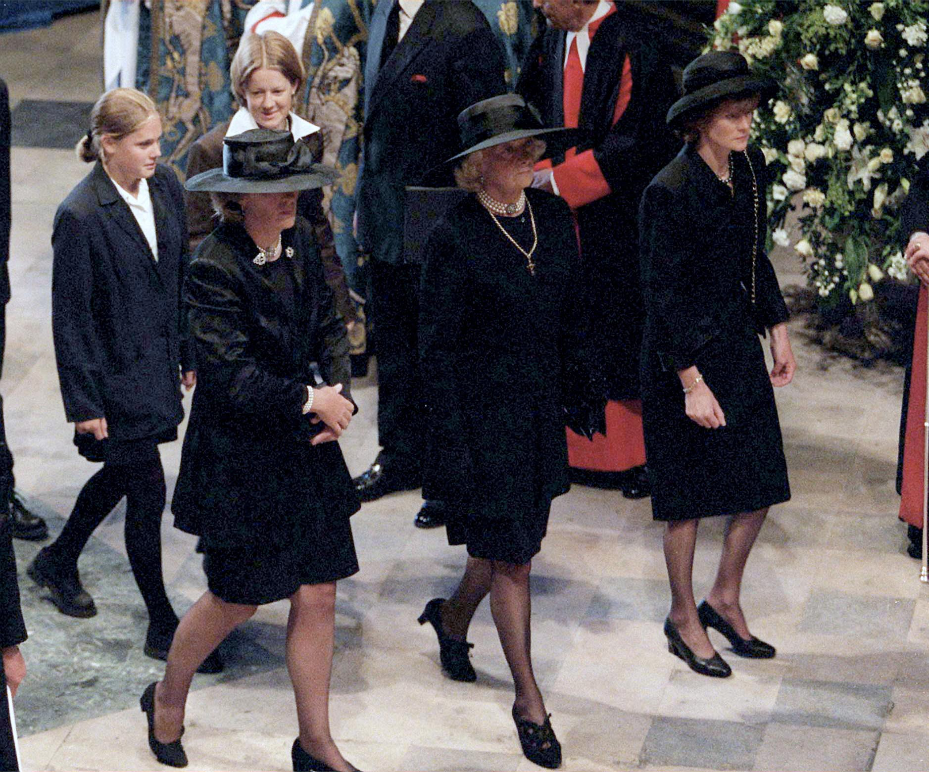 (L To R) Jane Fellowes, Mrs Frances Shand-kydd And Lady Sarah Mccorquodale at the funeral of Princess Diana in 1997.