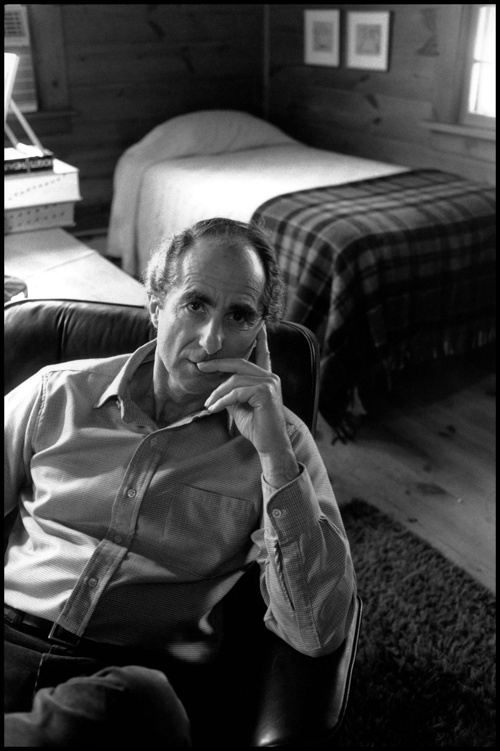 USA. Connecticut. 1990. American writer Phillip ROTH.