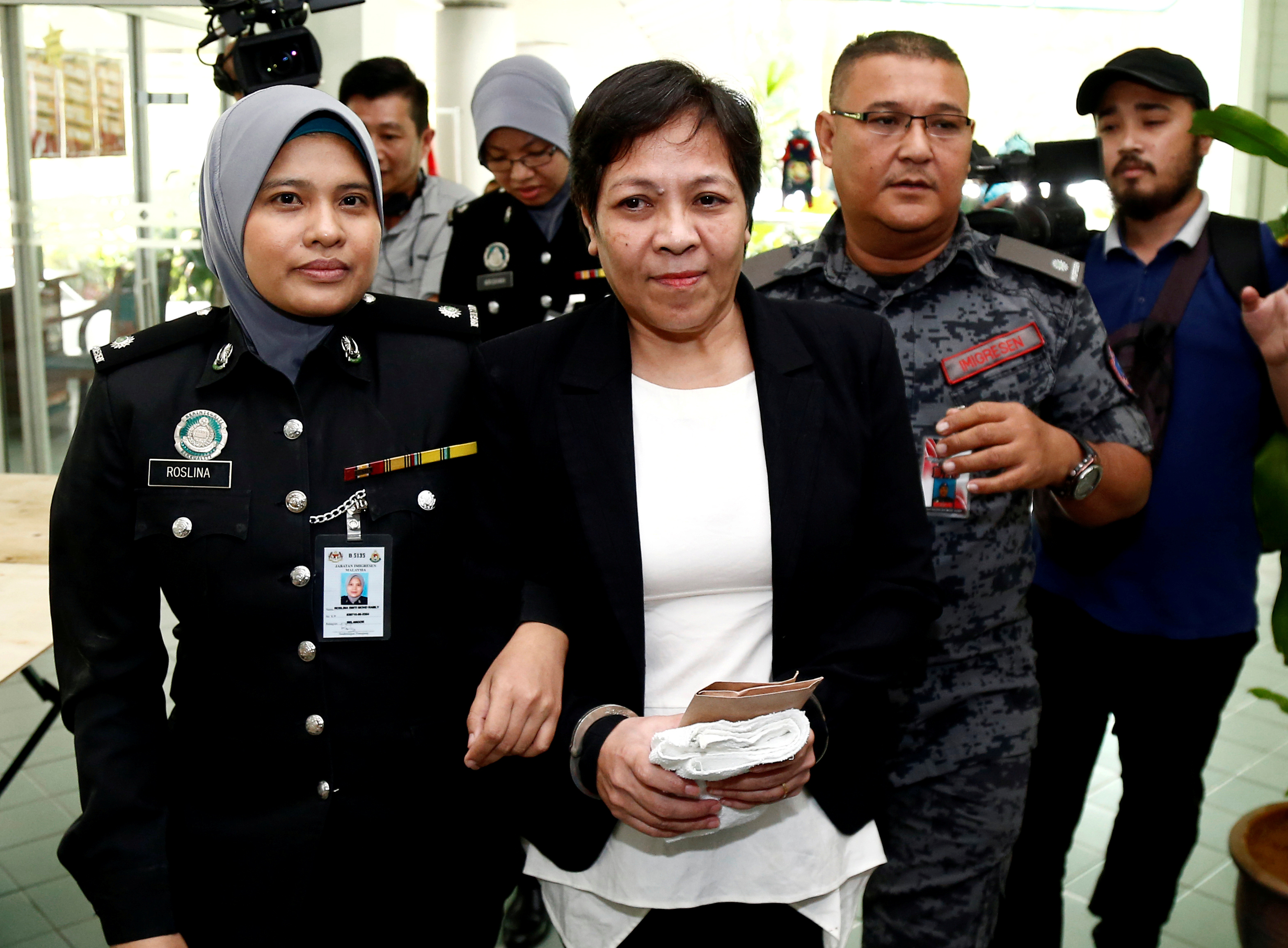Australian Maria Elvira Pinto Exposto is released from the High Court in Shah Alam, outside Kuala Lumpur, Malaysia on Dec. 27, 2017.