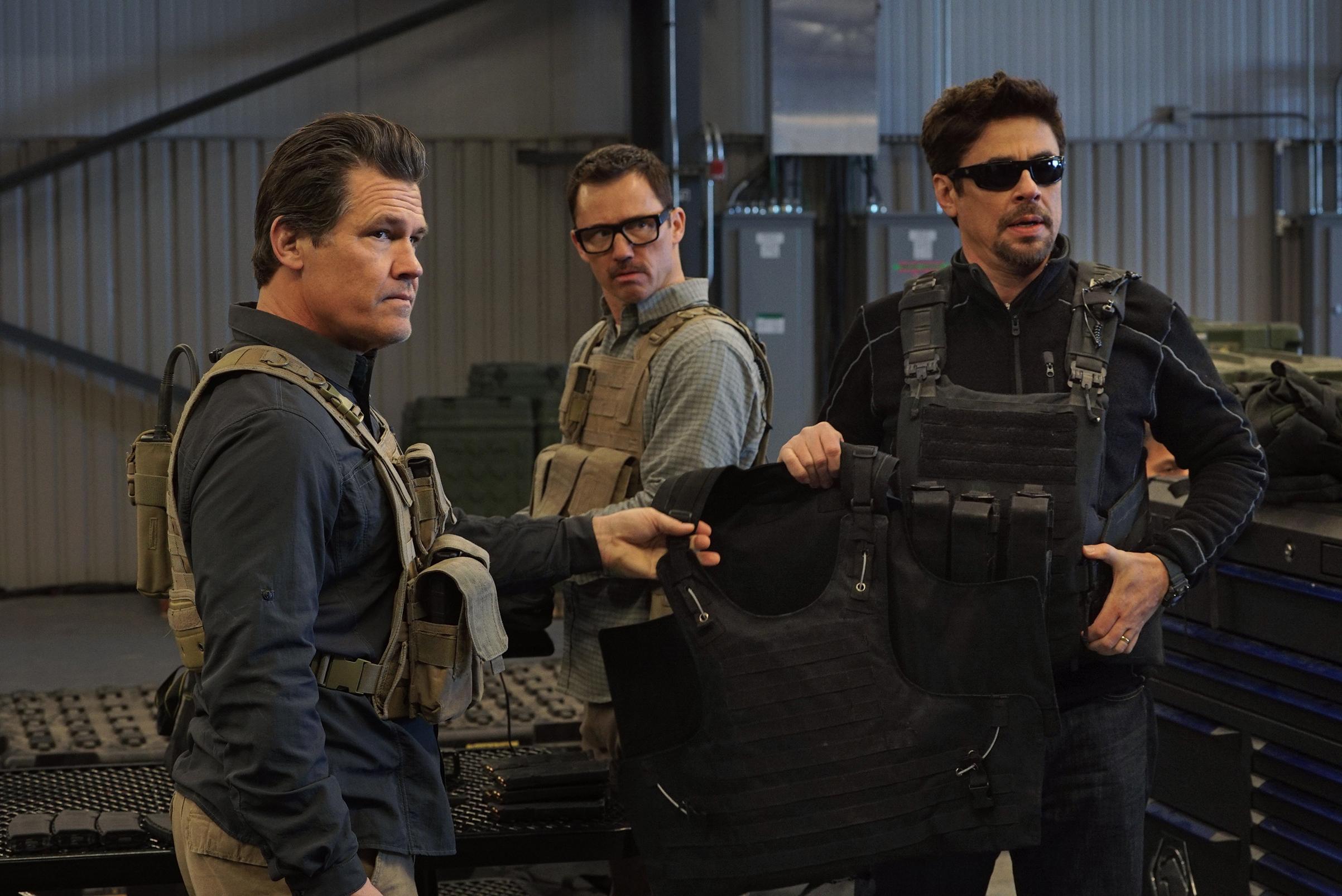 The manly men of Soldado: Josh Brolin, Jeffrey Donovan and Benicio del Toro