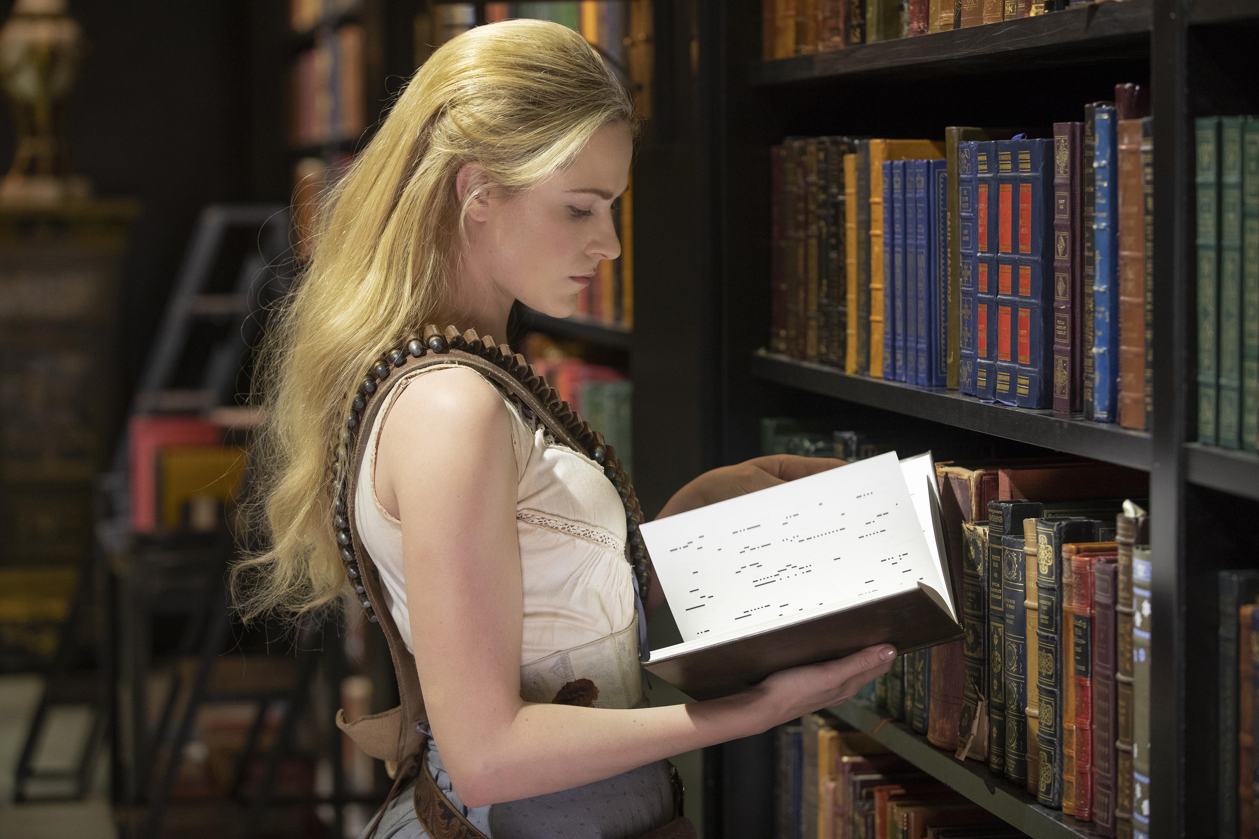 Evan Rachel Wood as Dolores in season 2, episode 10 of Westworld