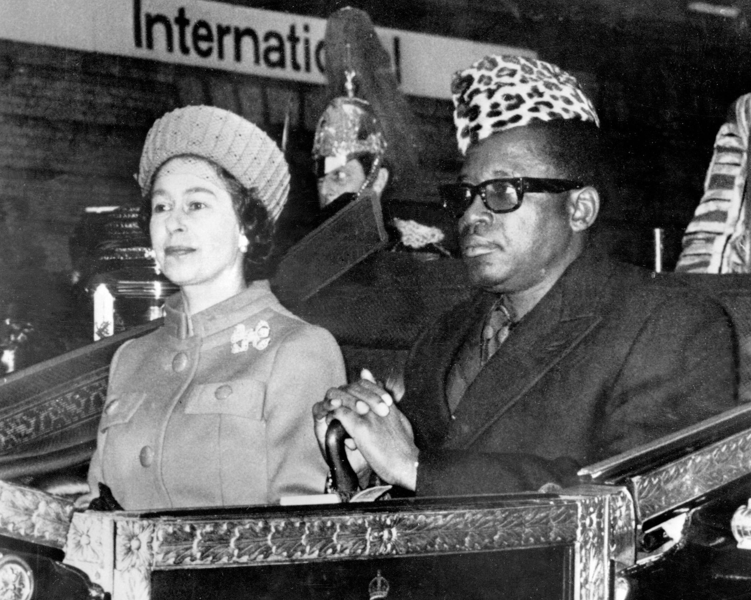 Former Zairean president Mobutu Sese Seko with Britain's Queen Elizabeth II in December 1973.
