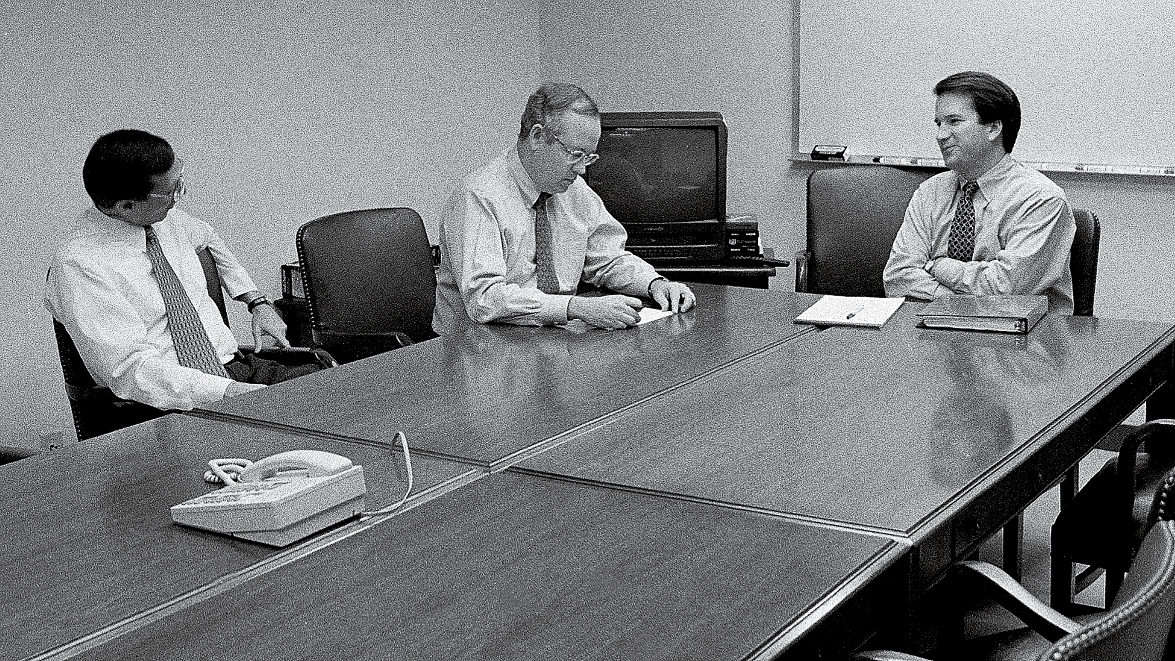 Kavanaugh with Kenneth Starr, independent counsel during the Whitewater investigation, in 1996