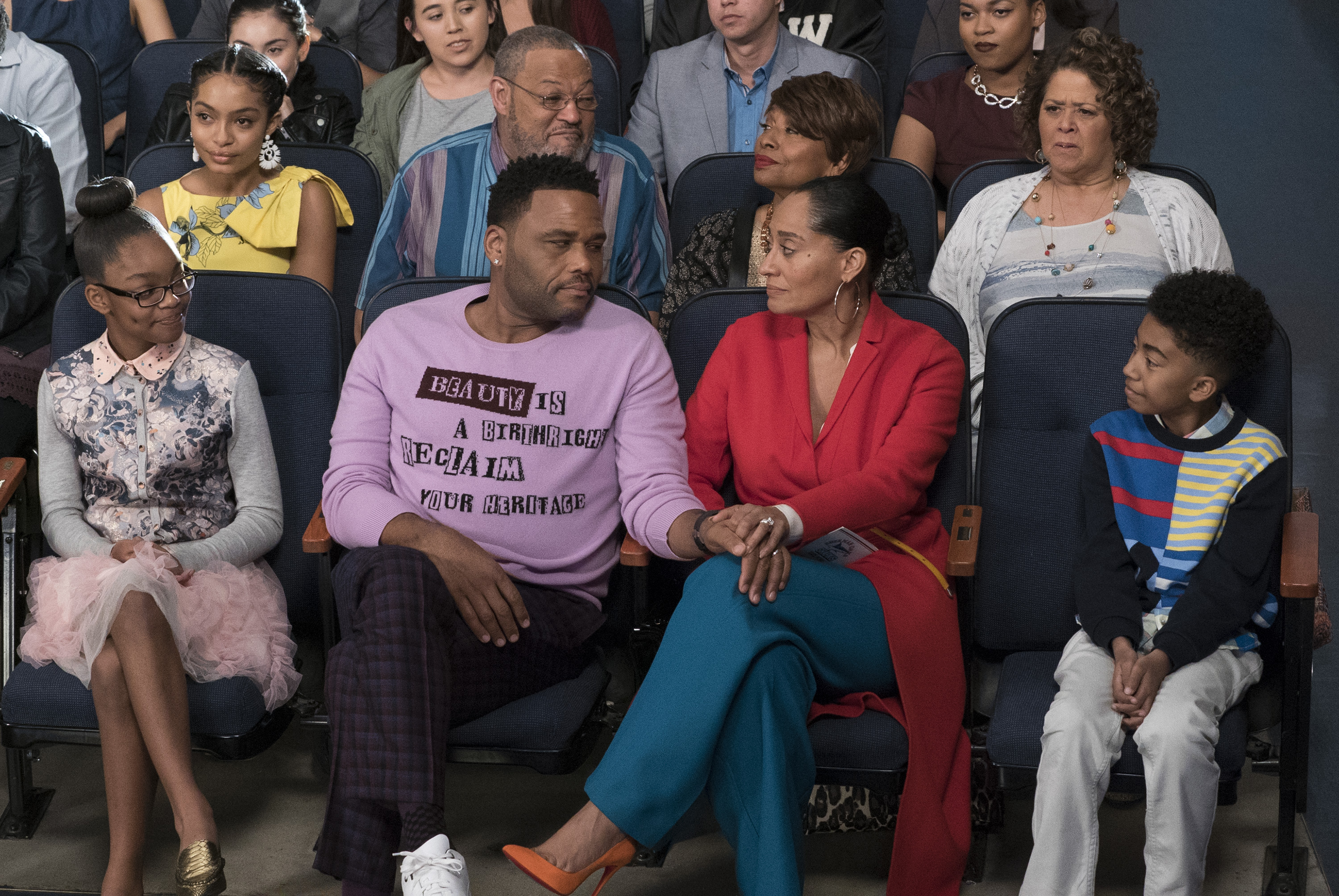 (l-r) Marsai Martin, Yara Shahidi, Anthony Anderson, Laurence FIshburne, Jennifer Lewis, Tracee Ellis Ross, Anna Deavere Smith and Miles Brown in black-ish