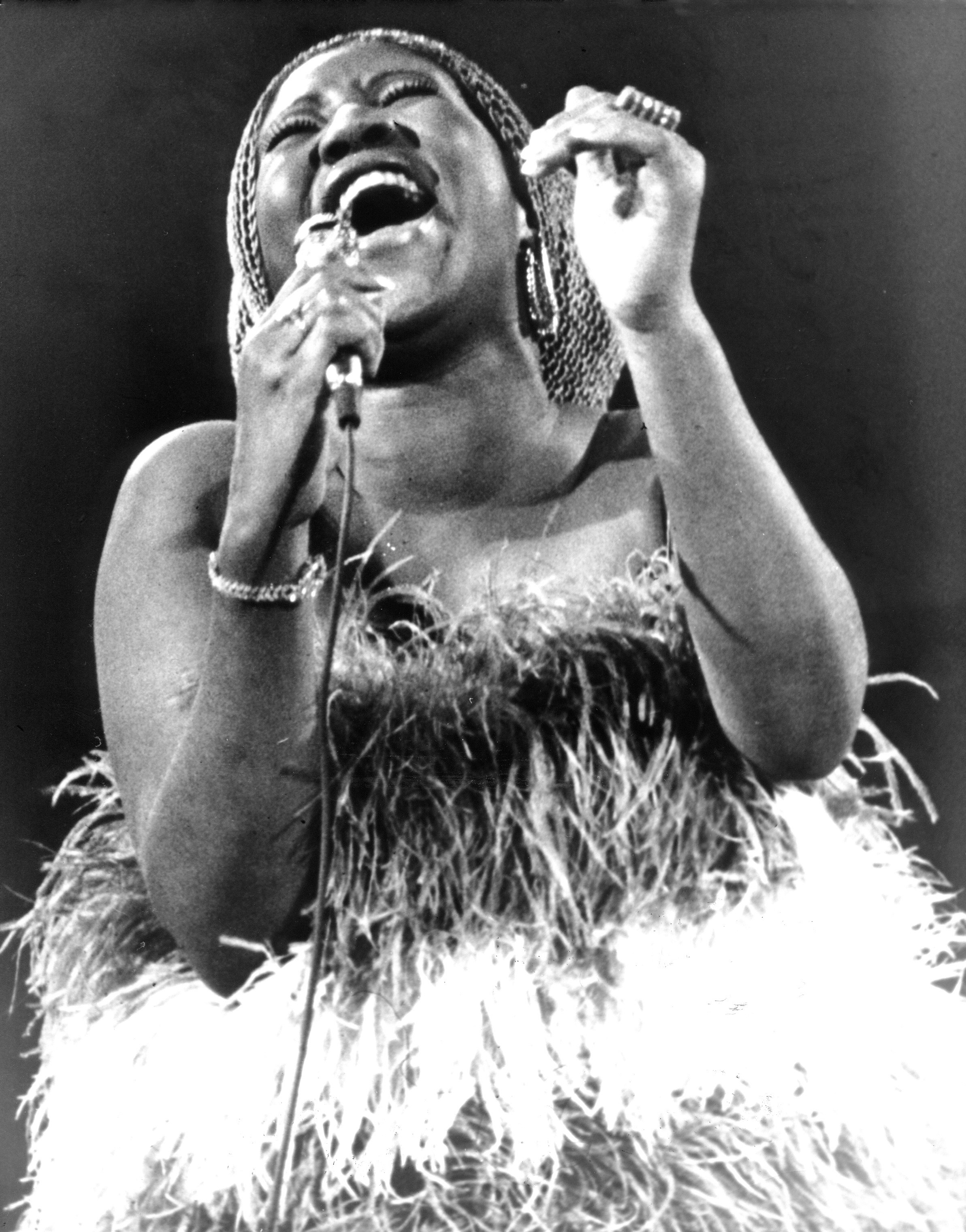 Aretha Franklin performs in 1971.