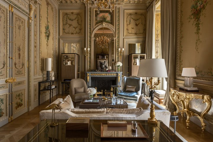 A room in Hotel de Crillon