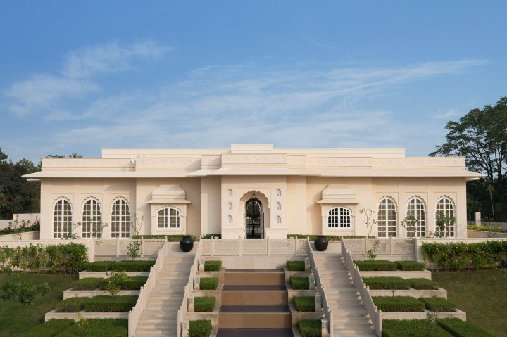 The exterior of the Oberoi Sukhvilas Resort & Spa