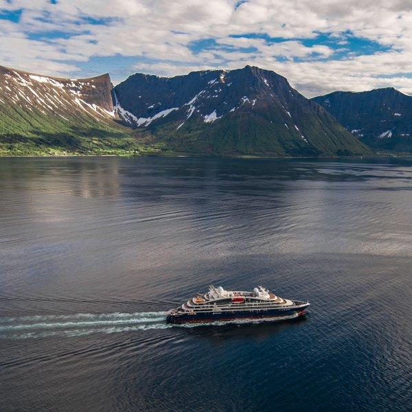 ponant-le-laperouse-cruise-ship