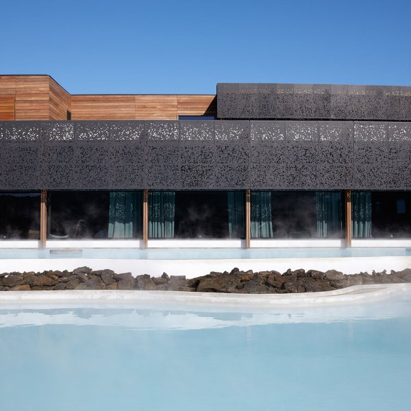 retreat-at-blue-lagoon-grindavik-iceland