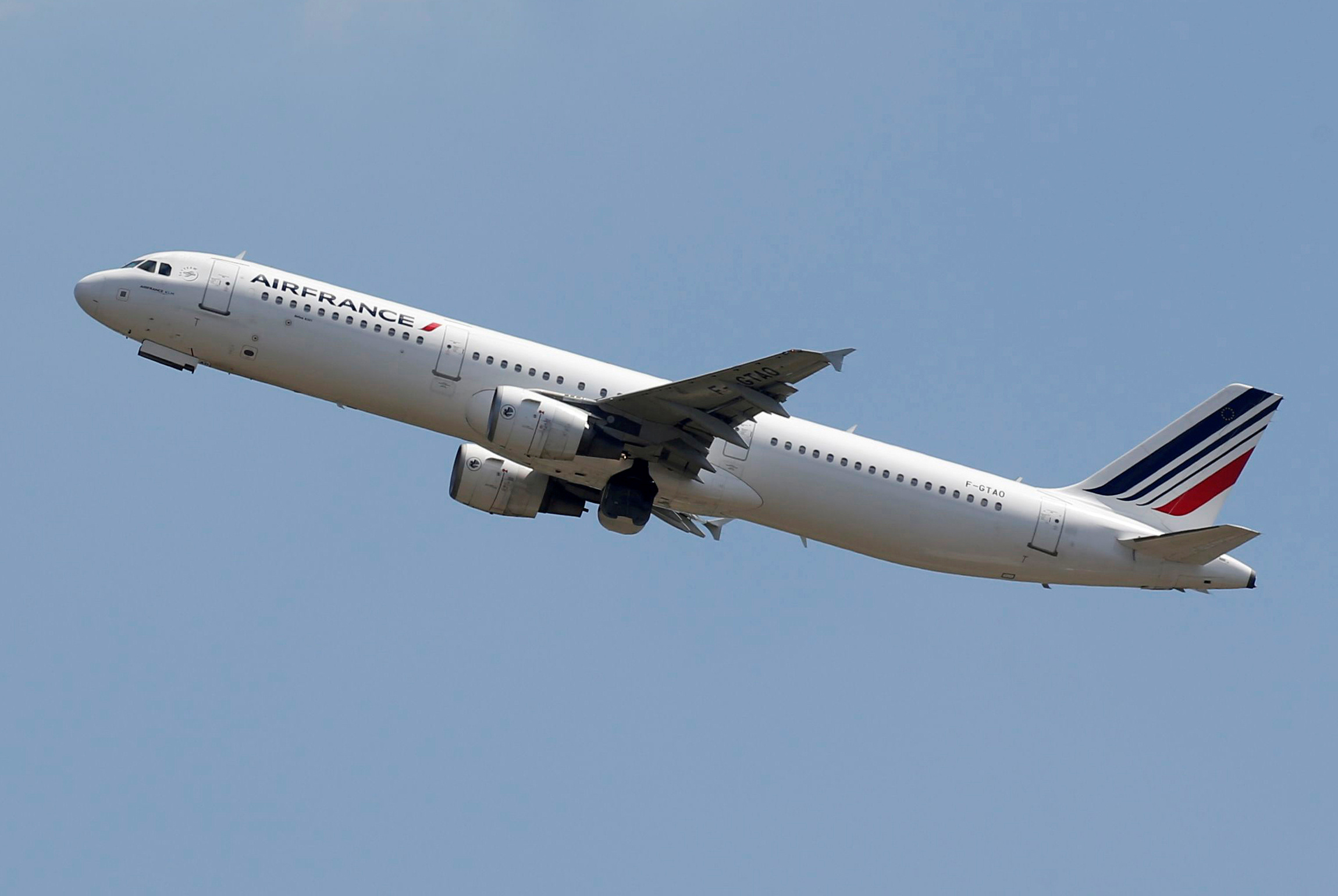 An Air France Airbus A321-200 aircraft takes off in Colomiers near Toulouse, France, July 10, 2018.