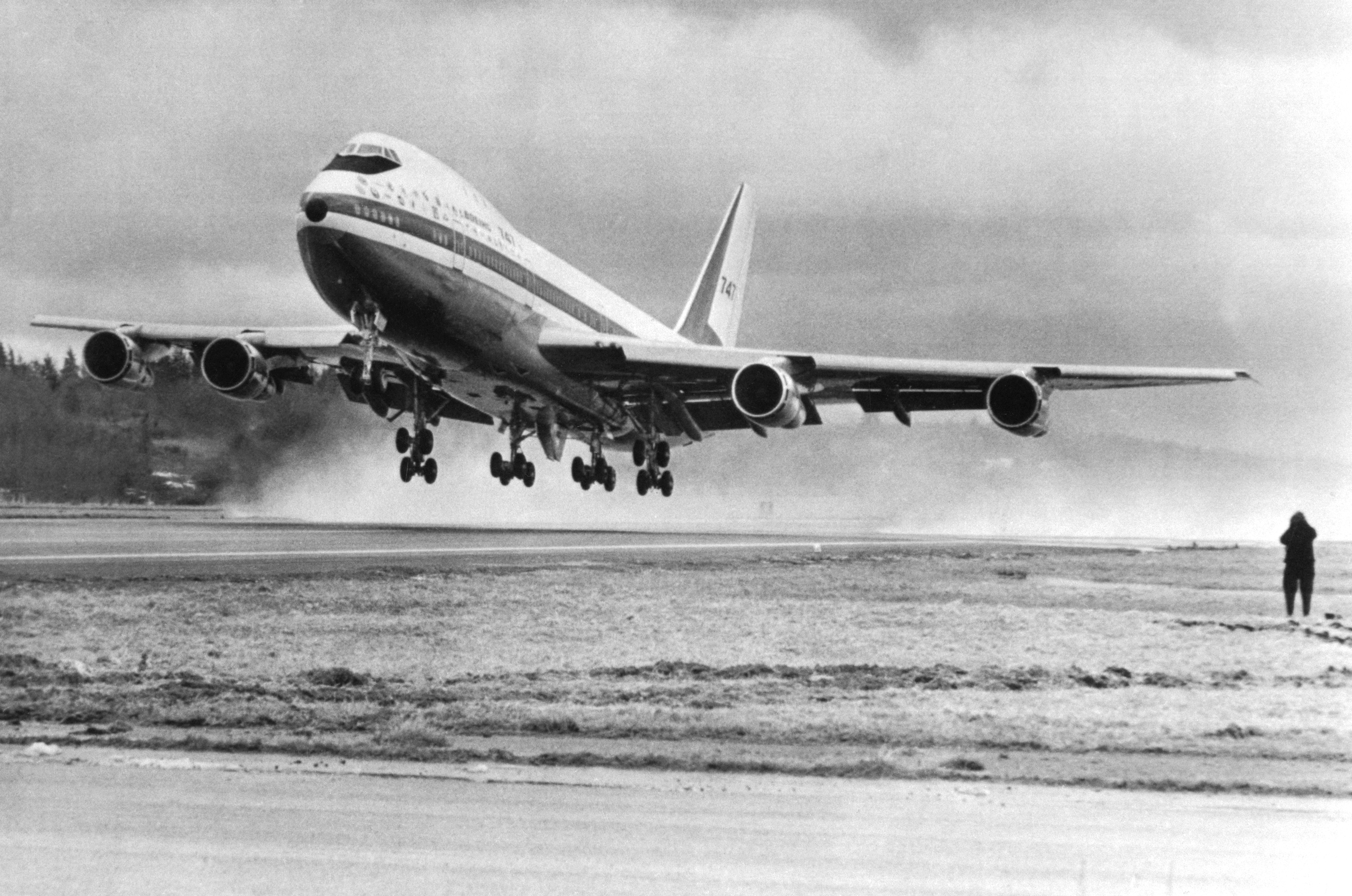 The world's largest commercial jetliner, the Boeing 747 makes its first takeoff 2/9. The 231 ft. jet used abut 4500 feet of runway and became airborne at a speed of about 170 MPH.