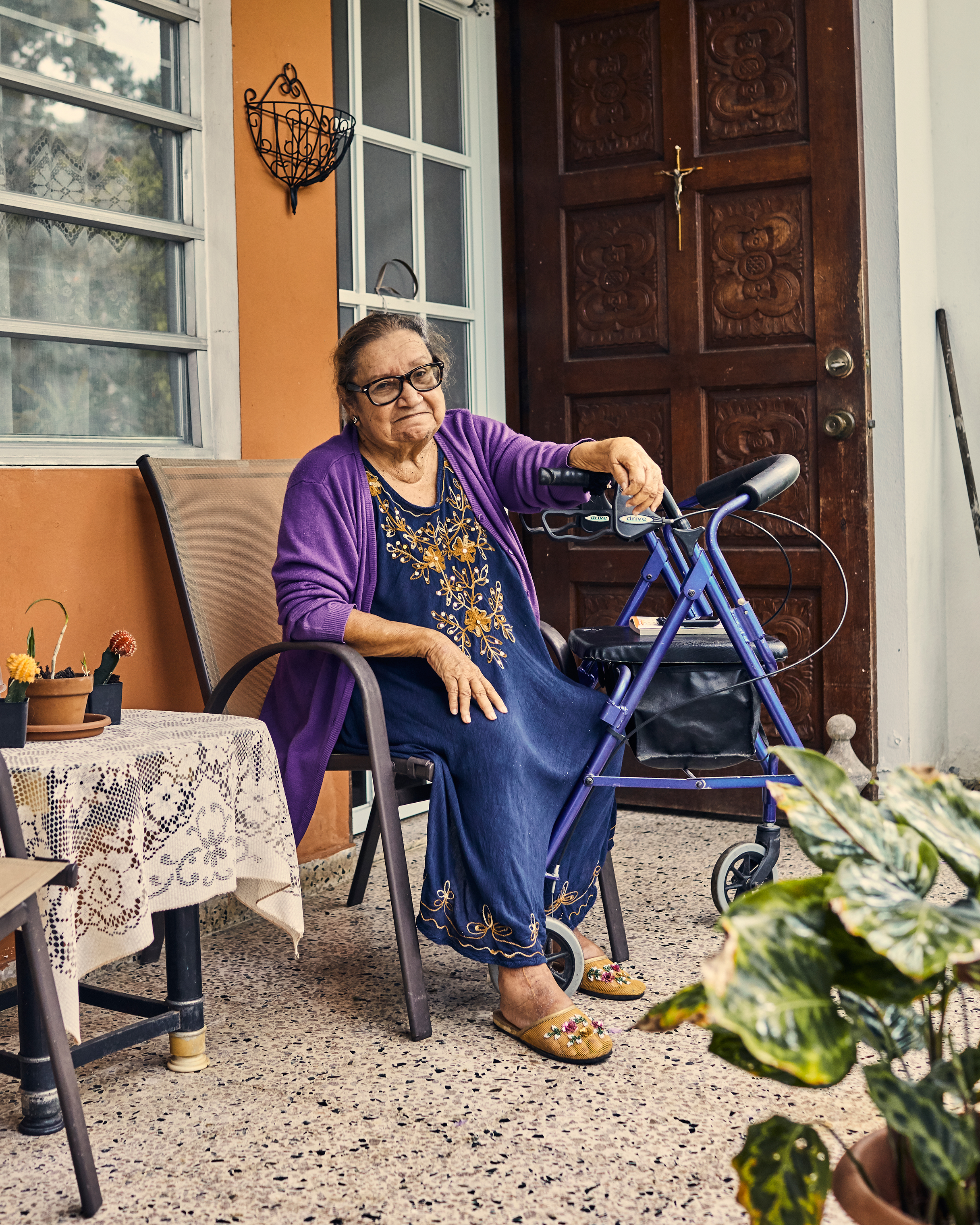 Yolanda Guzmán, who lives in the Caníaco neighborhood of Utuado, almost died from a low blood sugar episode. Crews had cleared the road no farther than her house, allowing an ambulance to pick her up as she lost consciousness.