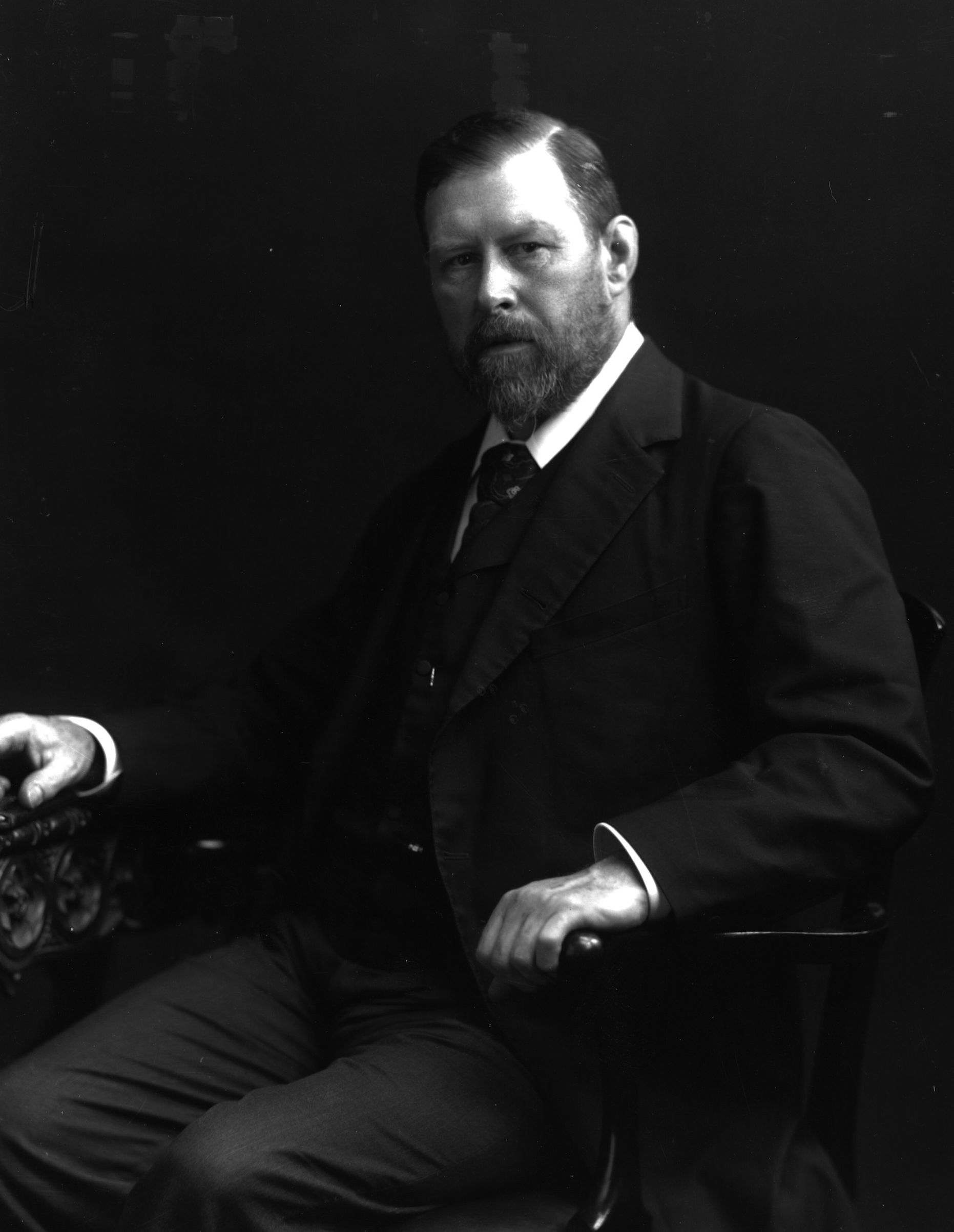 Abraham Stoker (1845 - 1912) the Irish writer who  wrote the classic horror story 'Dracula' in 1897.