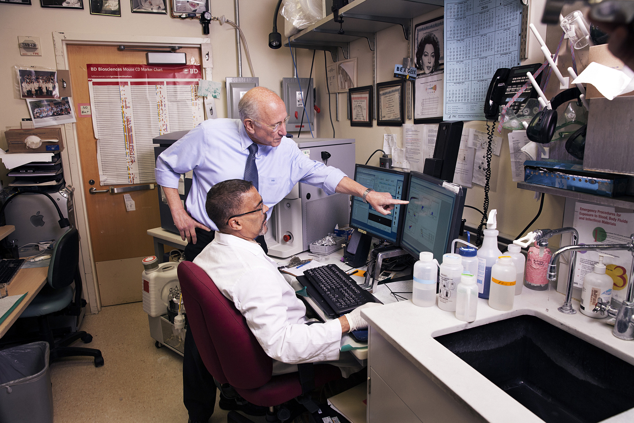 Dr. Steven Rosenberg, one of the pioneers of immunotherapy, in his labs at the National Cancer Institute