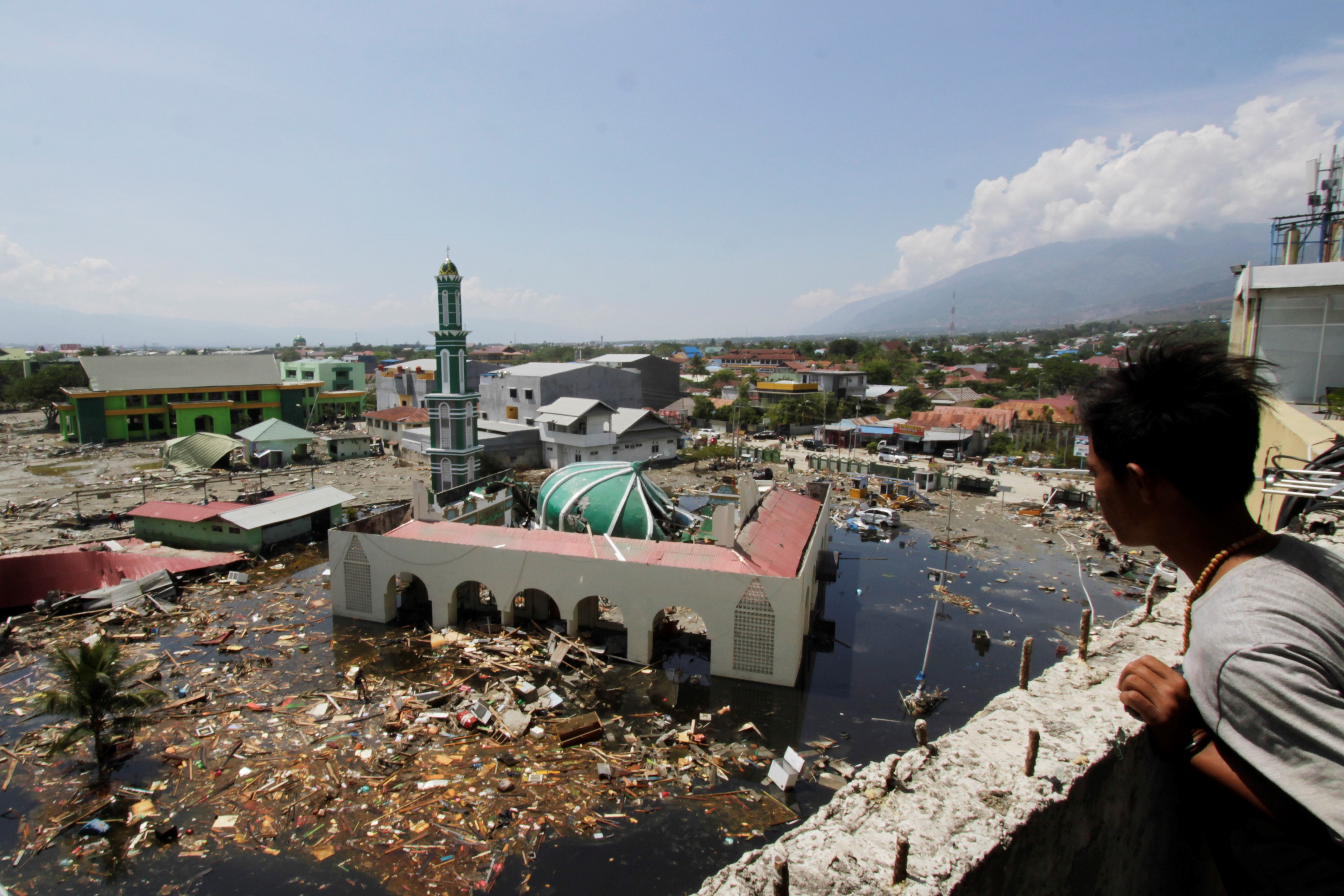 The Baiturrahman mosque is seen after being hit by the earthquake and tsunami in the city of Palu, Central Sulawesi, Indonesia on Oct. 2 2018.
