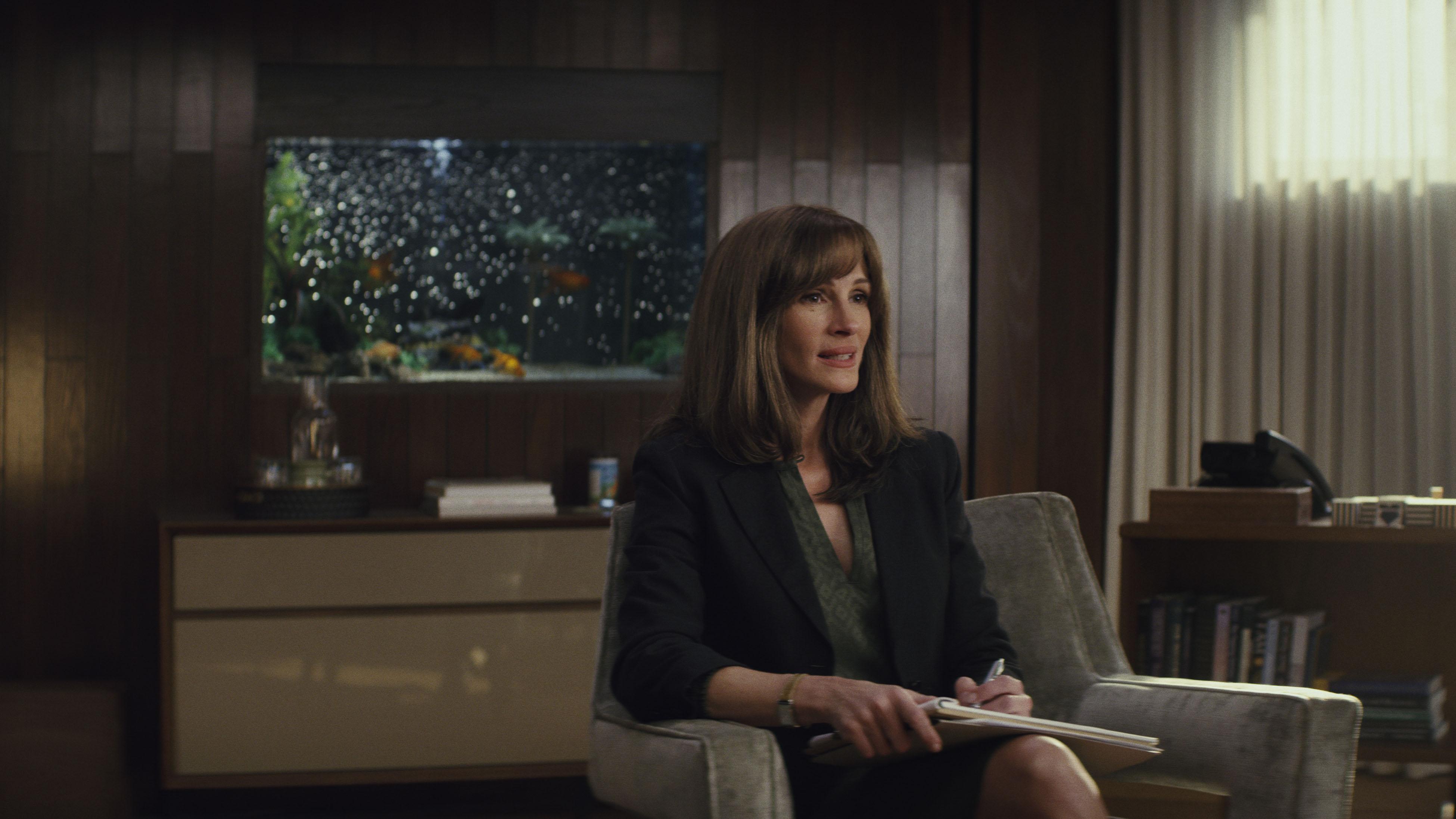 Julia Roberts in 'Homecoming' (2018).