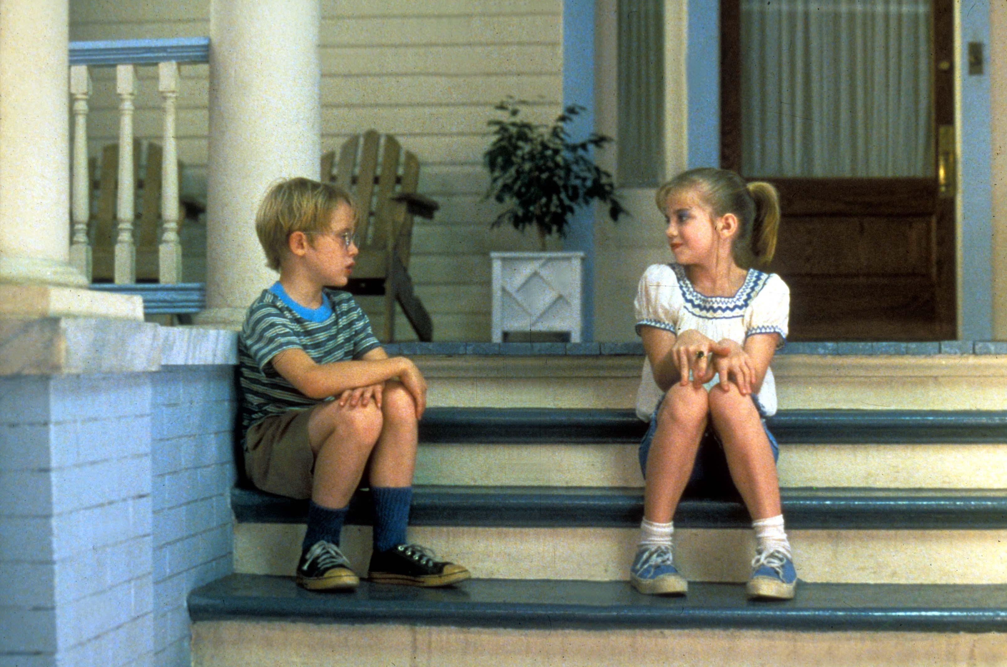 Macaulay Culkin and Anna Chlumsky in 'My Girl' (1991).