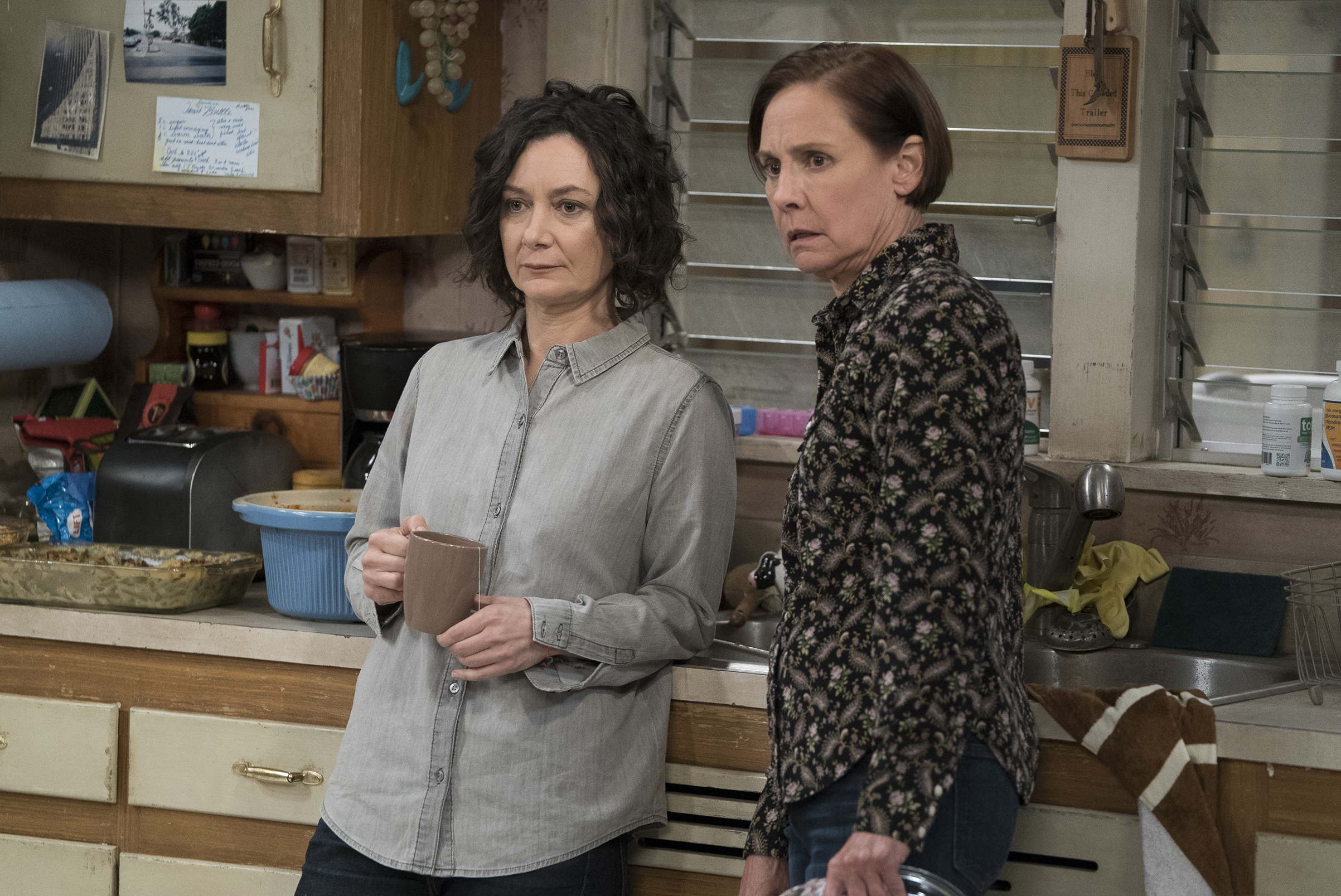 Darlene (Sara Gilbert) and Jackie (Laurie Metcalf) cope with a conspicuous absence on The Conners