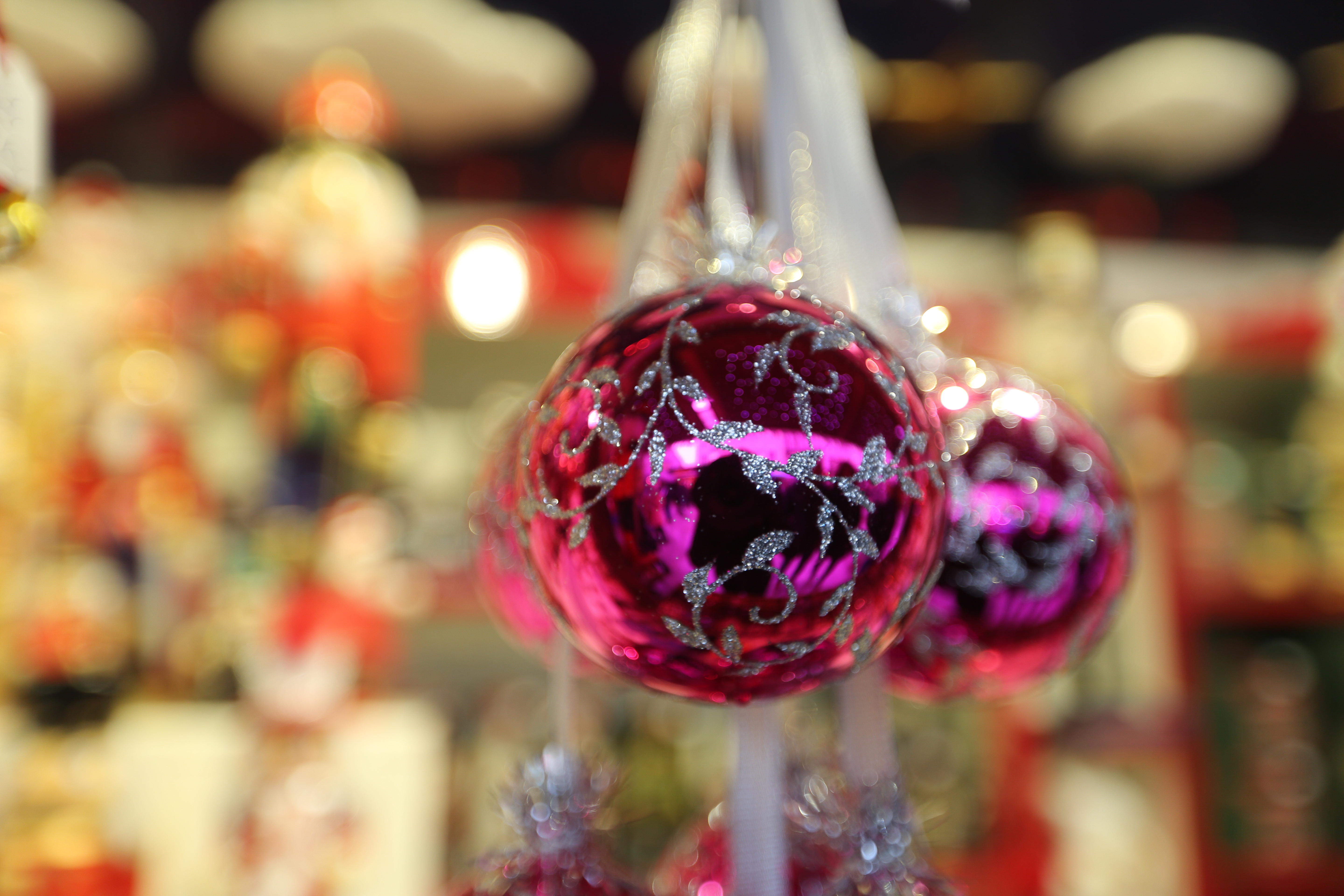 Christmas tree balls at the Marienplatz Christmas Market in Munich, Germany, on 22 December 2017. (Photo by Alexander Pohl/NurPhoto via Getty Images)