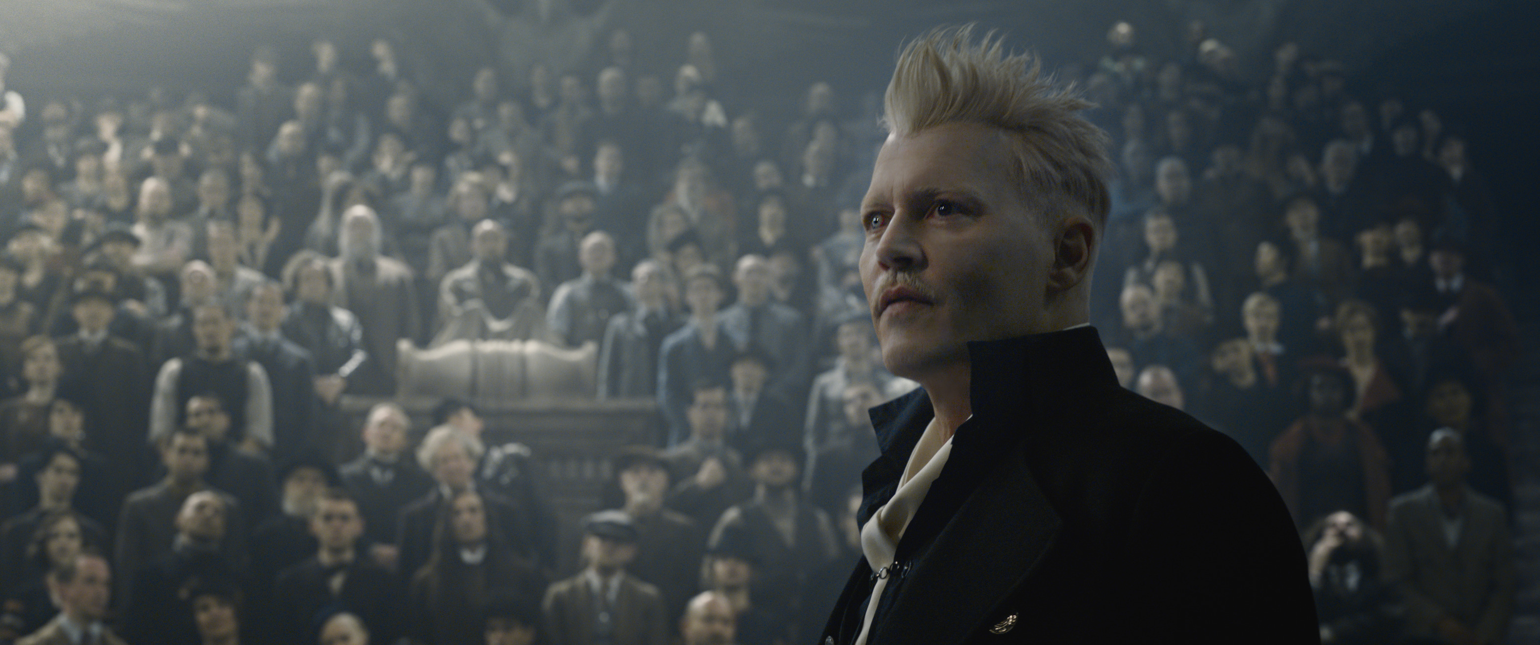 Johnny Depp in Fantastic Beasts: The Crimes of Grindelwald