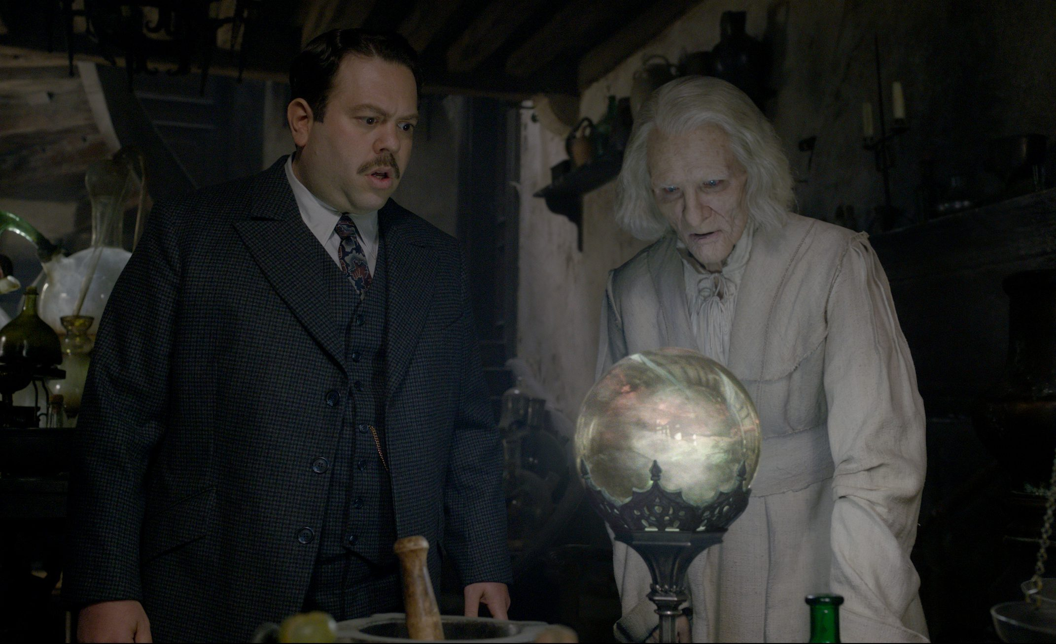 Dan Fogler and Brontis Jodorowsky in The Crimes of Grindelwald