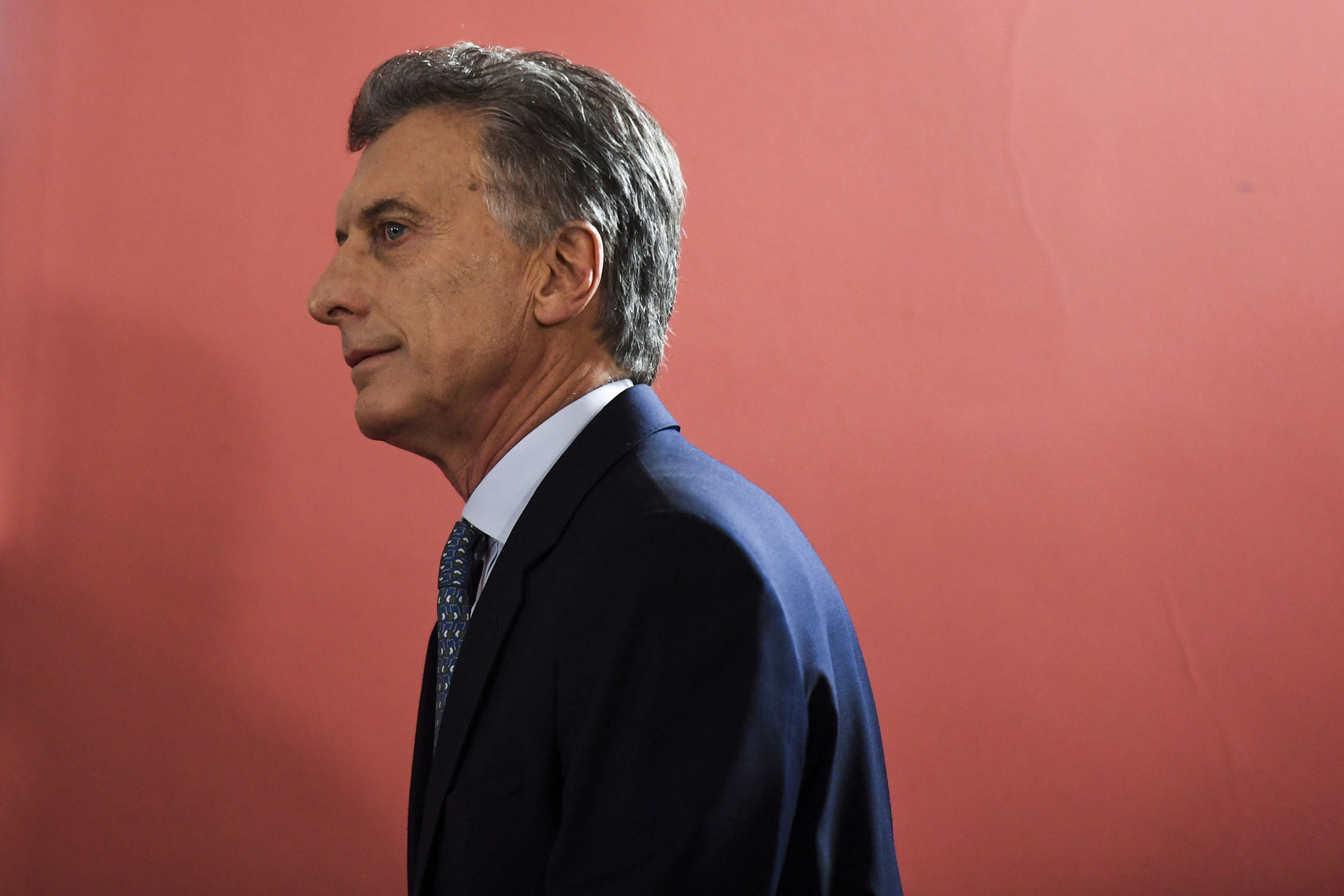 Argentina's President Mauricio Macri arrives to deliver a statement at Casa Rosada government palace in Buenos Aires, on September 27, 2018.