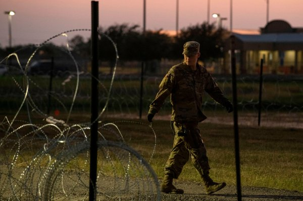 How Trump Plans to Build the Border Wall With Military Money ... on