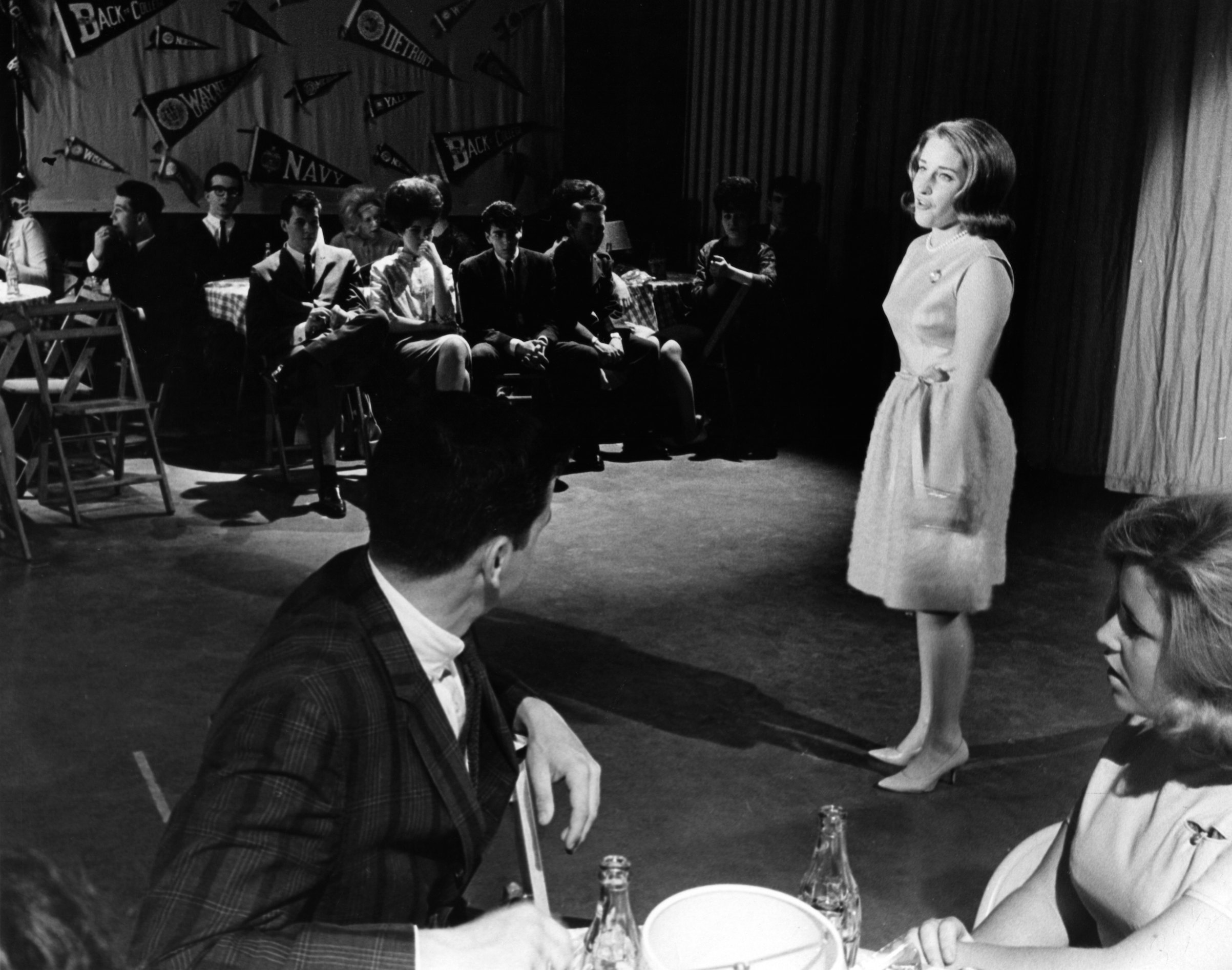 Singer Lesley Gore performs on a TV show  circa 1963