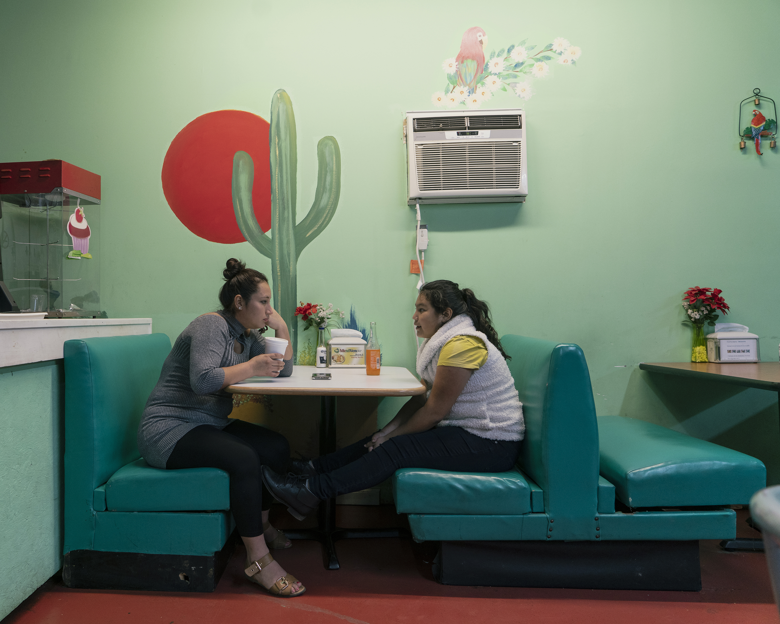 Albertina Contreras and her daughter at a restaurant in Murfreesboro, Tenn.