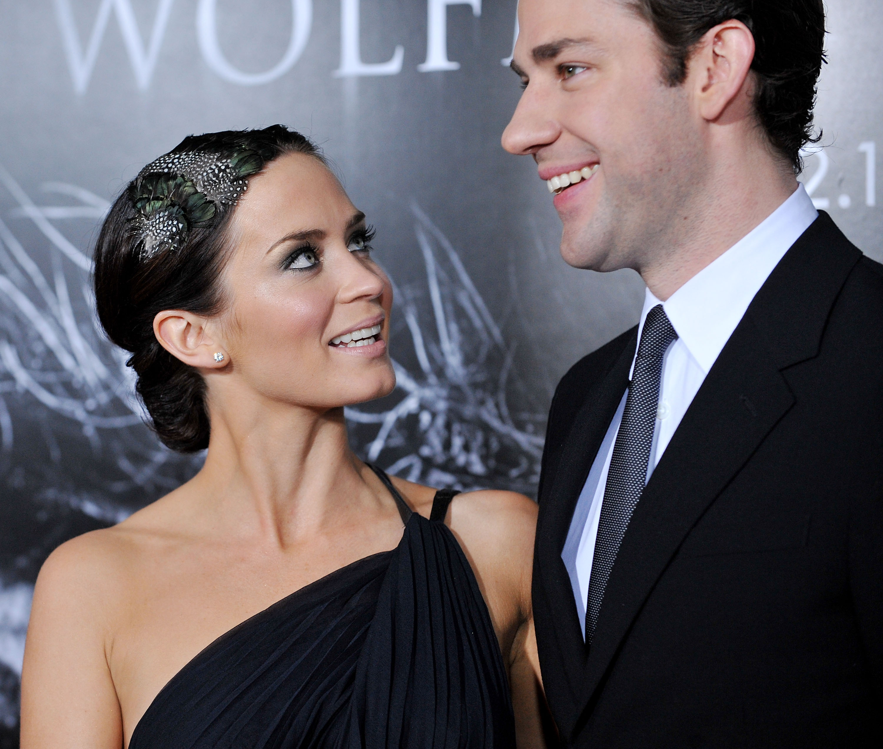 Actress Emily Blunt and fiance actor John Krasinski arrive at the Los Angeles Premiere  The Wolfman  at the ArcLight Cinemas on February 9, 2010 in Hollywood, California.