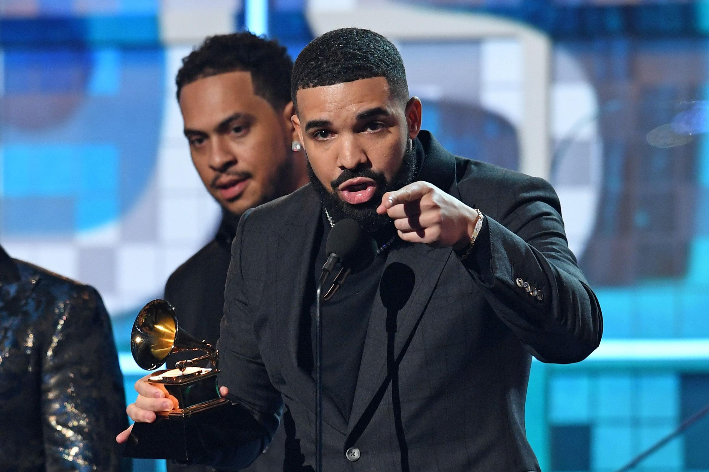 Drake S Grammy Acceptance Speech Threw Shade At The Grammys Time