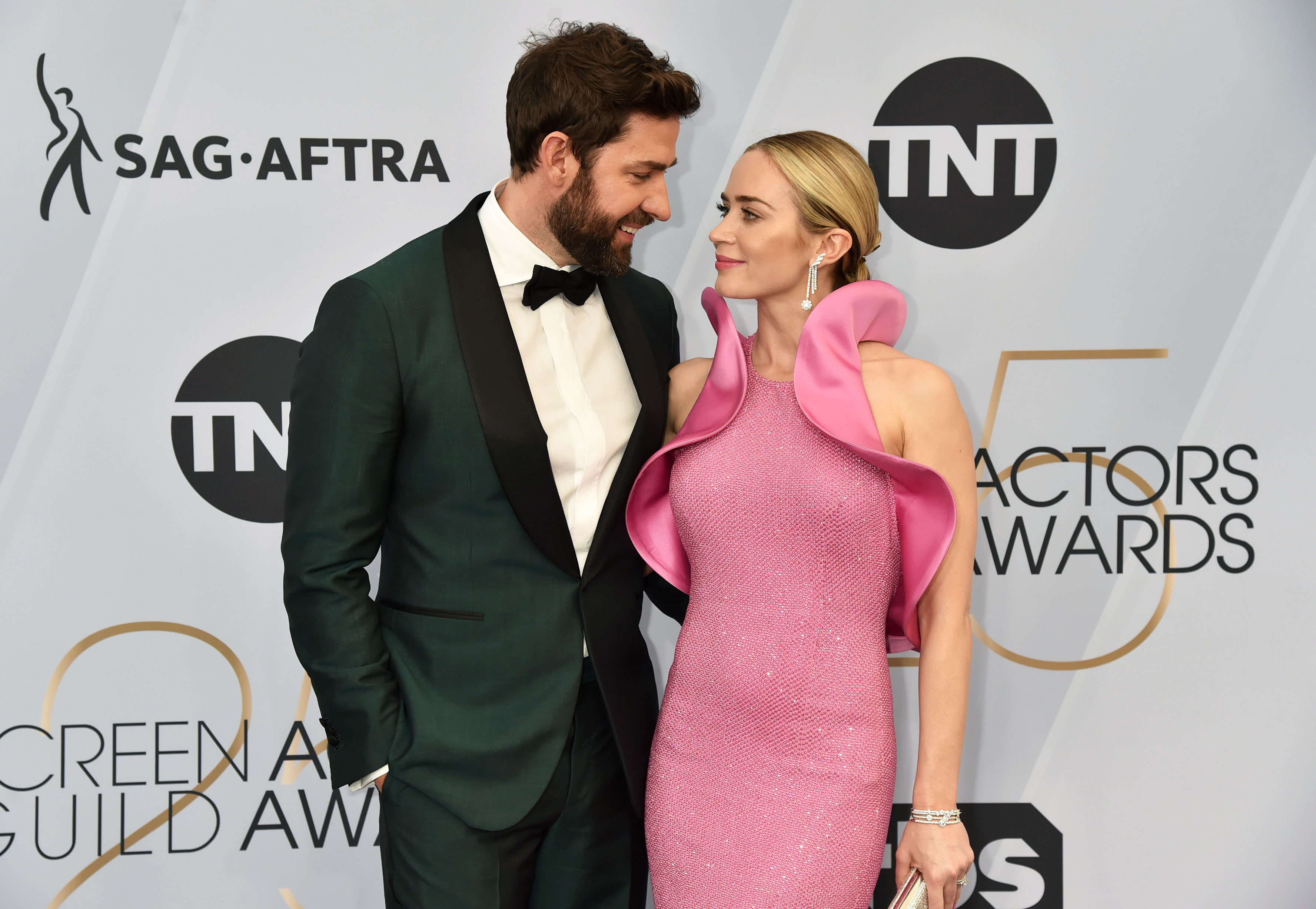 John Krasinski and Emily Blunt attend the 25th Annual Screen ActorsGuild Awards at The Shrine Auditorium on January 27, 2019 in Los Angeles, California.