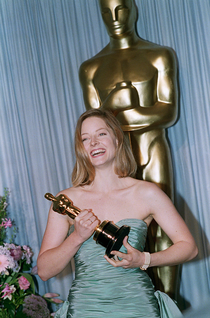 Actress Jodie Foster smilies as she wins the award for best actress in the film  The Accused,  in Los Angeles on March 29, 1989.
