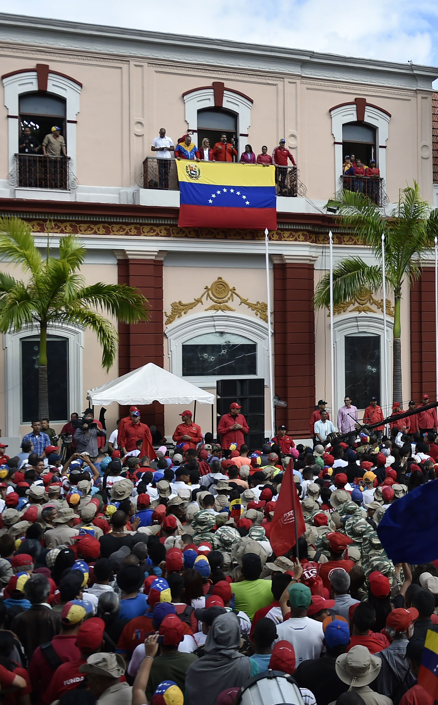 President Nicolás Maduro announces he will break off diplomatic ties with the U.S., in response to Trump's acknowledgment of Guaidó as  interim president,  during a gathering in Caracas on Jan. 23, 2019.