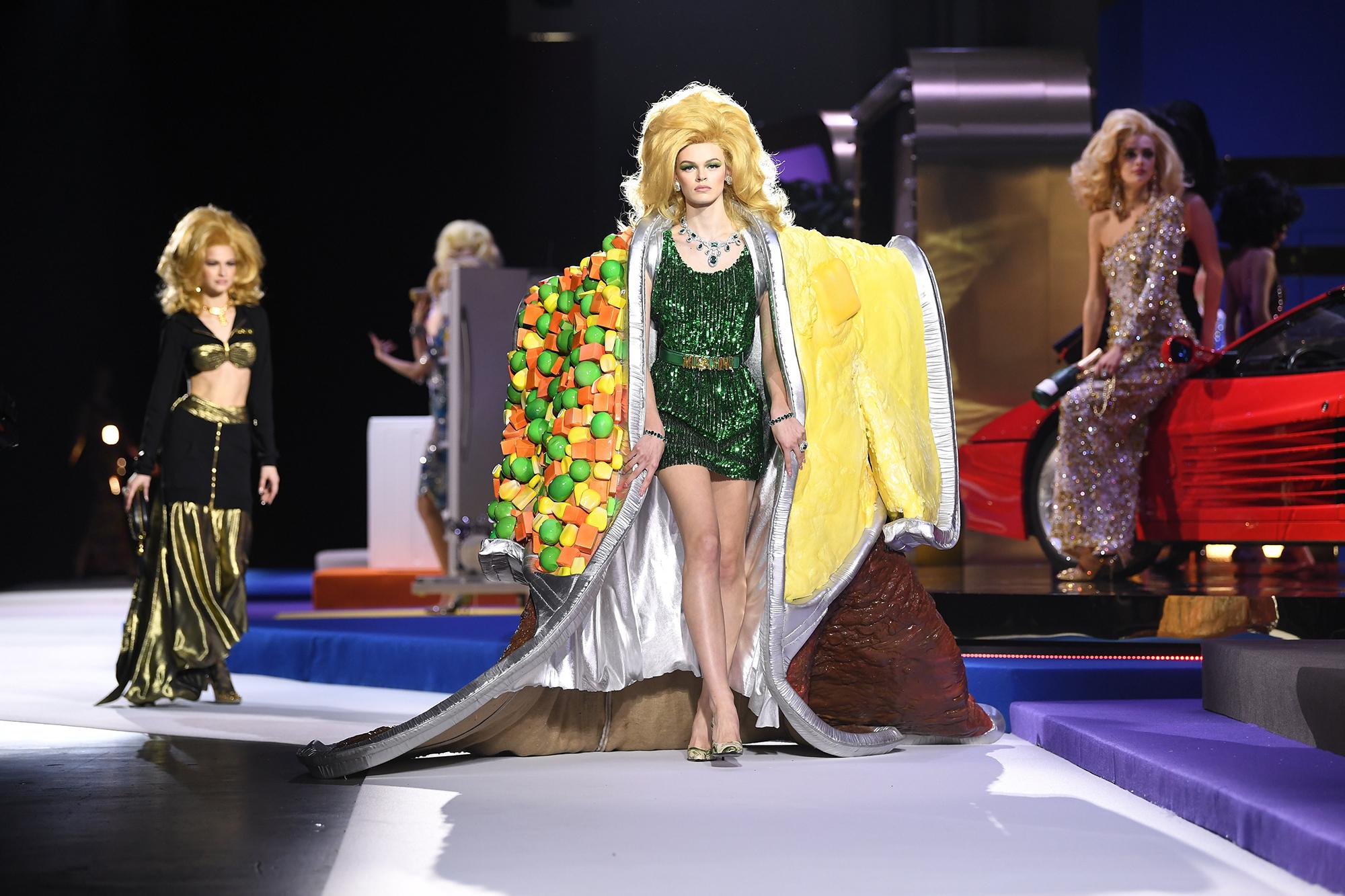 Moschino Has Tv Dinner Cape At Game Show Theme Fashion Show Time Com