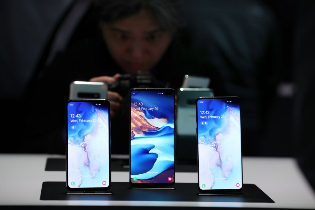 The new Samsung Galaxy S10e, Galaxy S10+ and the Galaxy S10 smartphones are displayed during the Samsung Unpacked event on February 20, 2019 in San Francisco, California.